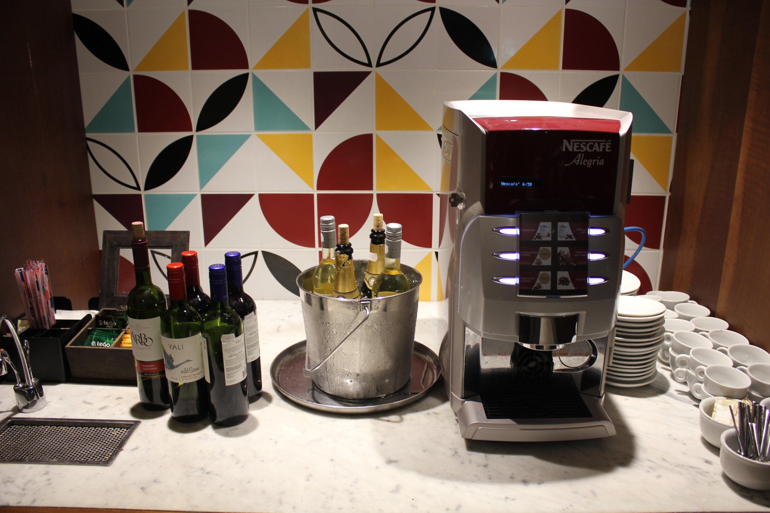 Star Alliance Lounge Rio de Janeiro – Self-serve drinks