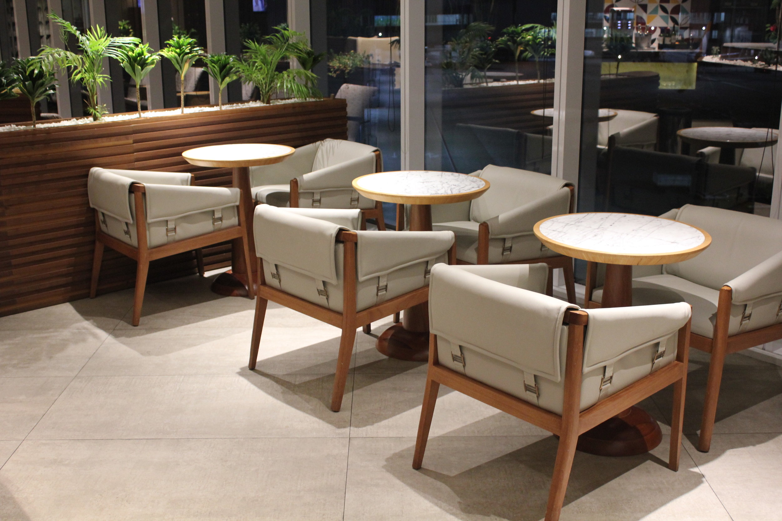 Star Alliance Lounge Rio de Janeiro – Dining tables