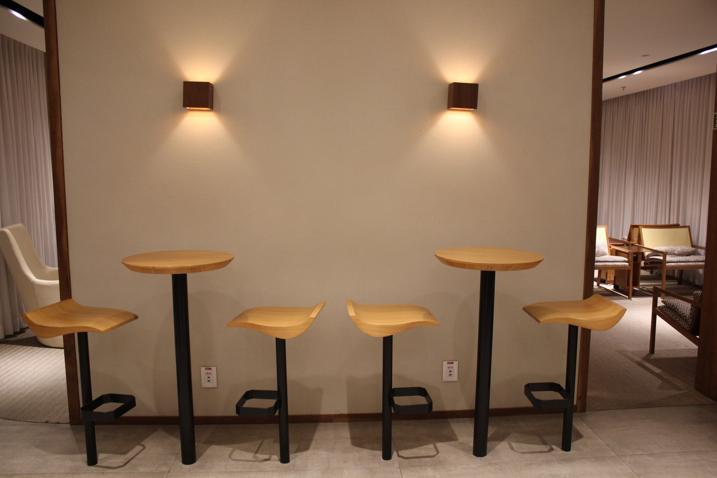 Star Alliance Lounge Rio de Janeiro – Bar seats