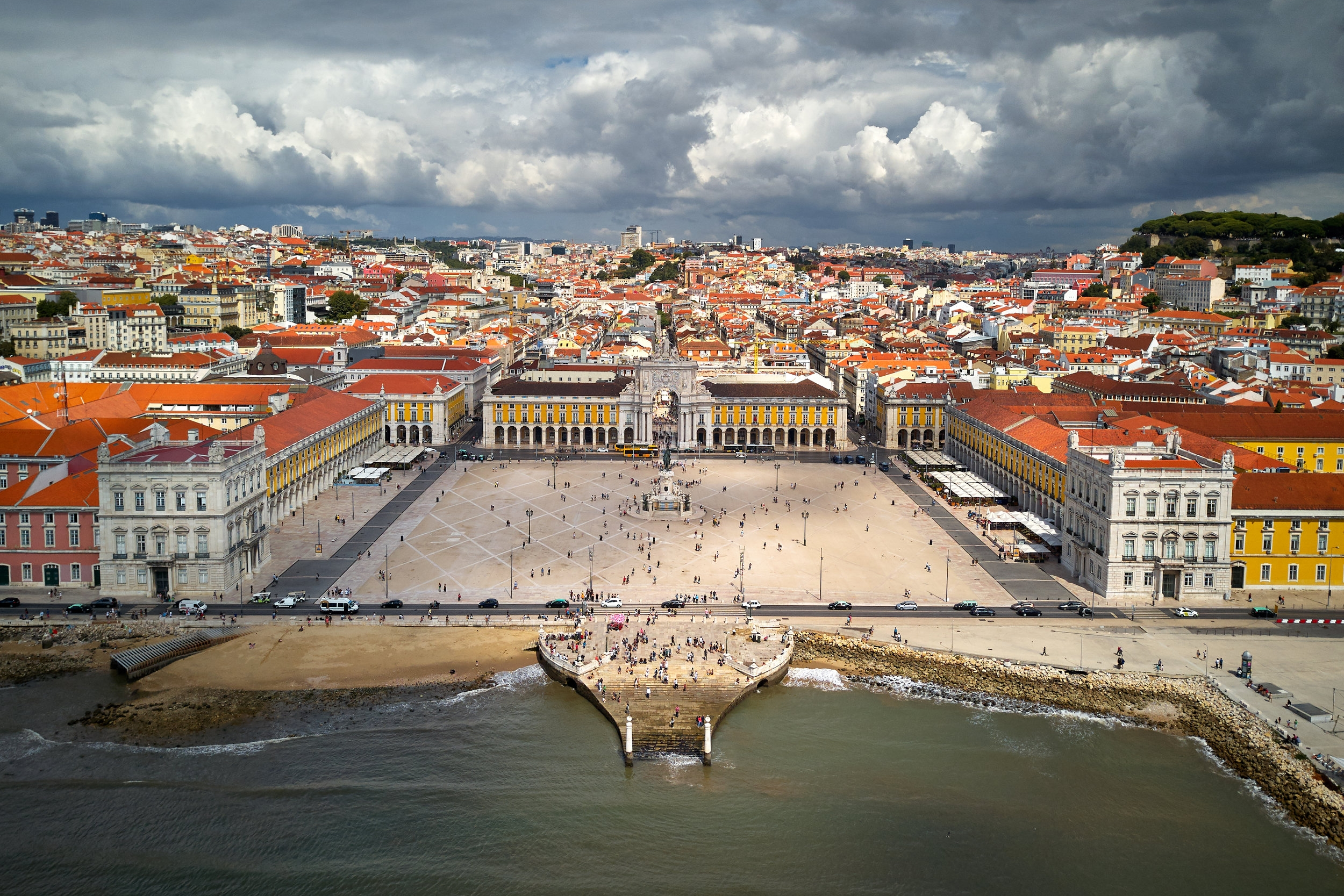 A free stopover in Lisbon? Sign me up!