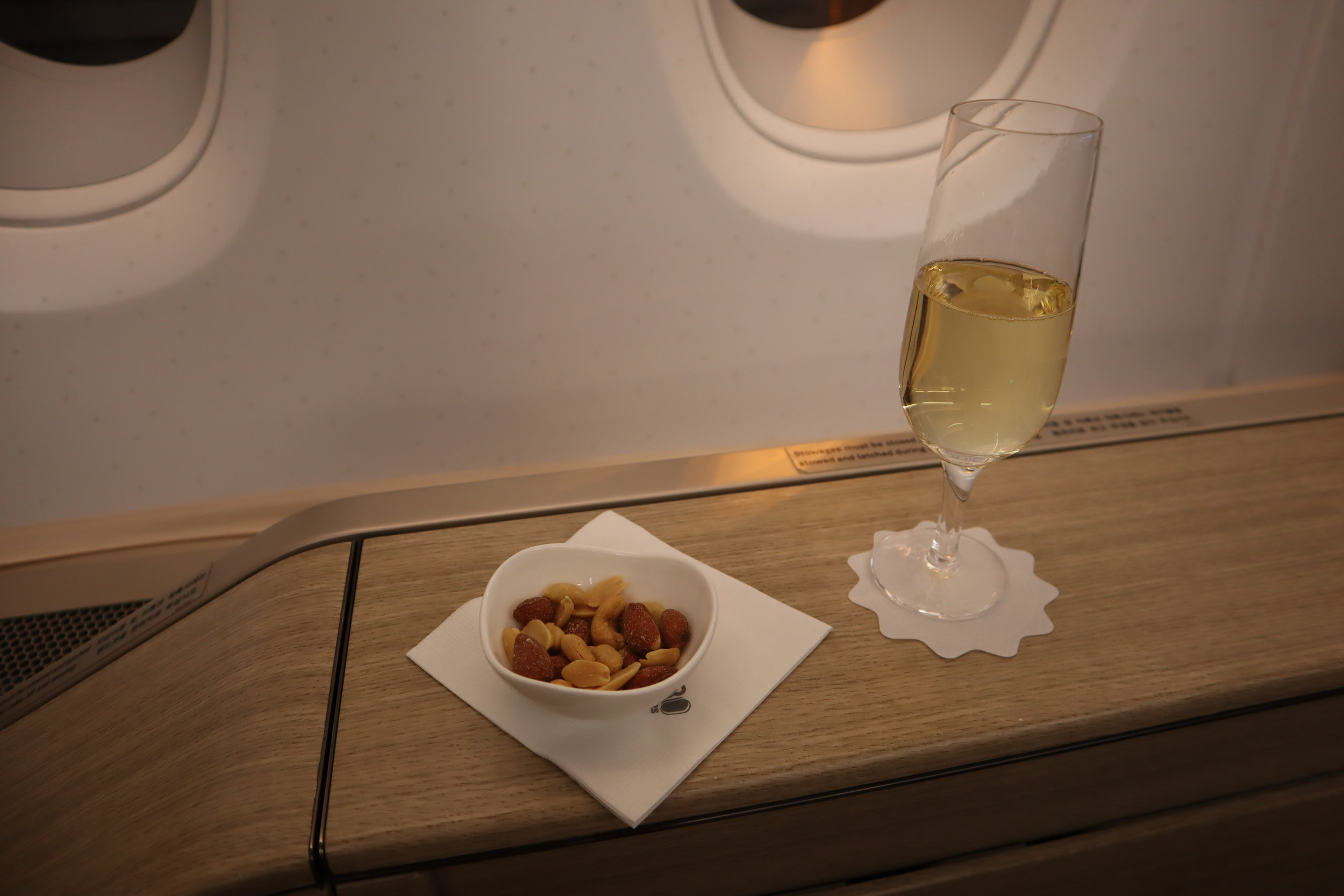 Asiana Airlines First Class – Welcome champagne
