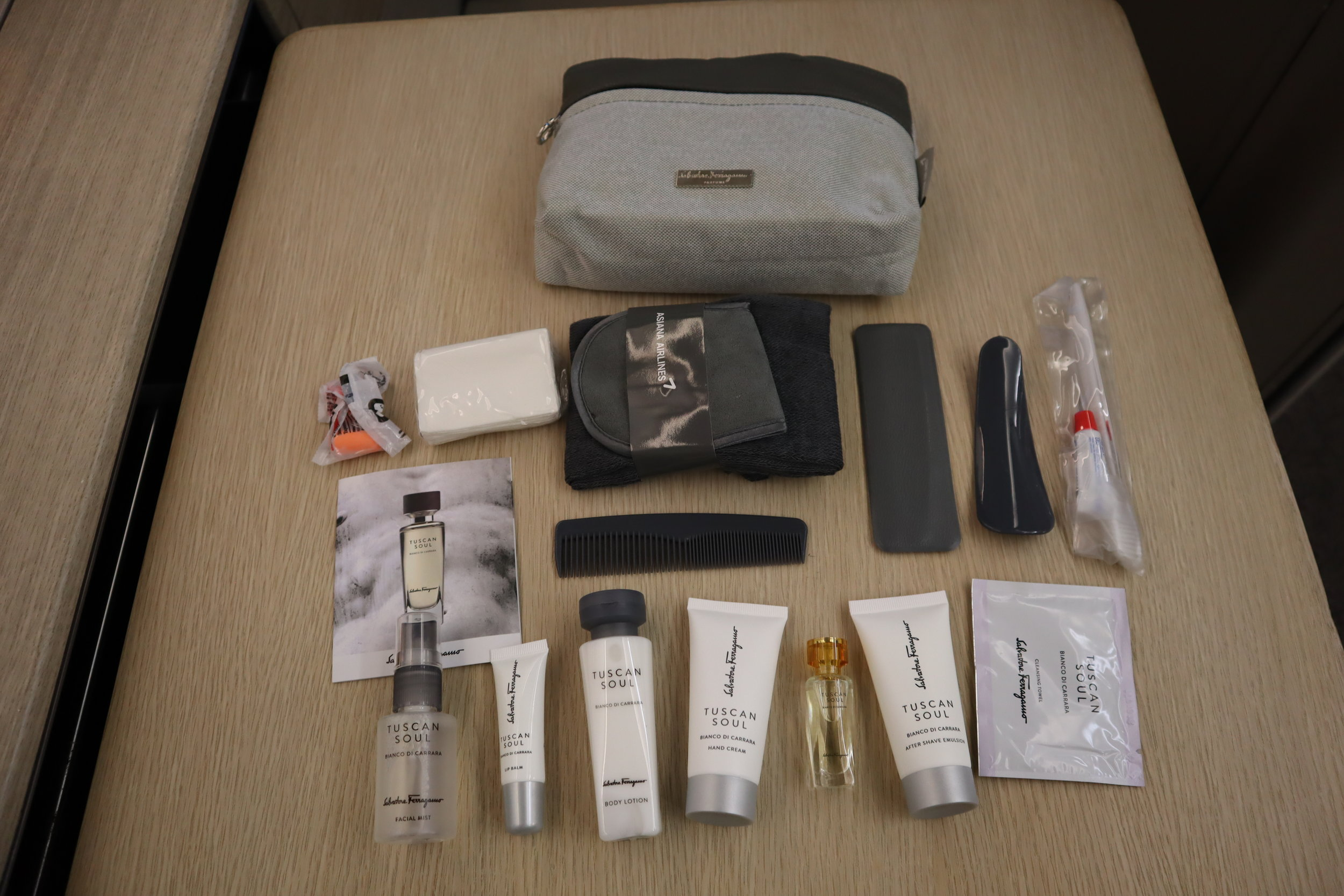 Asiana Airlines First Class – Amenity kit contents