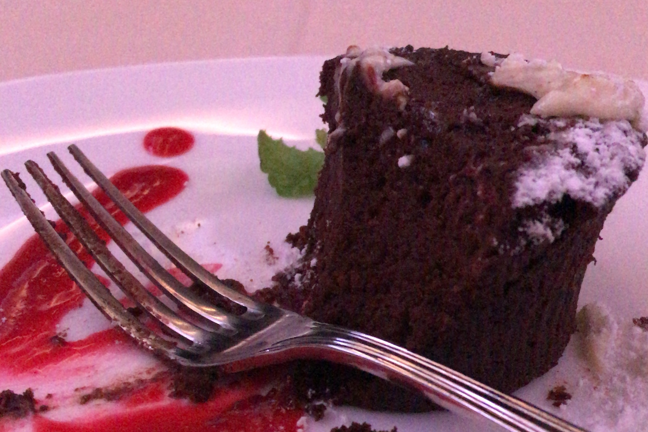Asiana Airlines First Class – Chocolate fondant cake