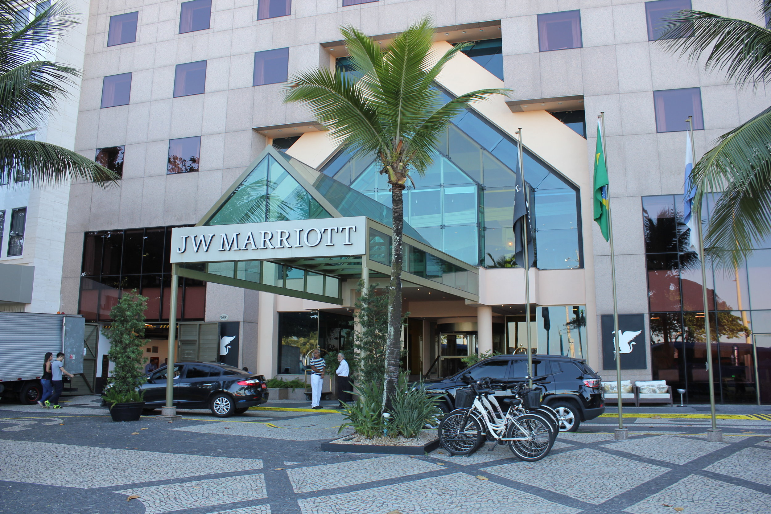 Get a discounted night every year at a Category 5 hotel, like the  JW Marriott Rio de Janeiro