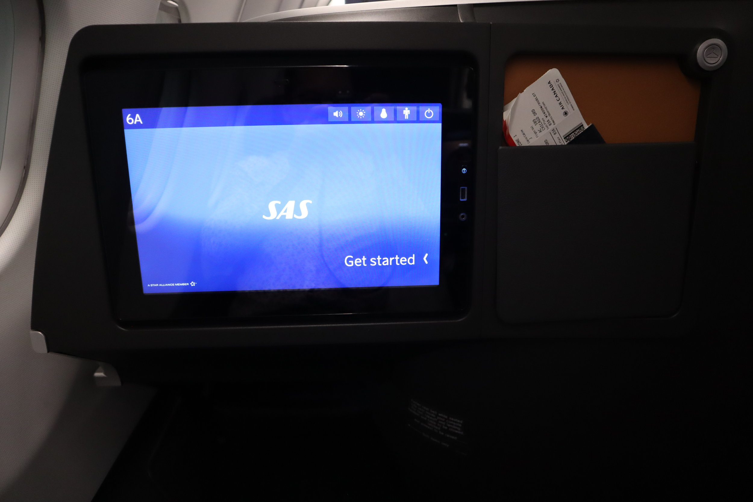 SAS business class – Entertainment monitor and literature pocket
