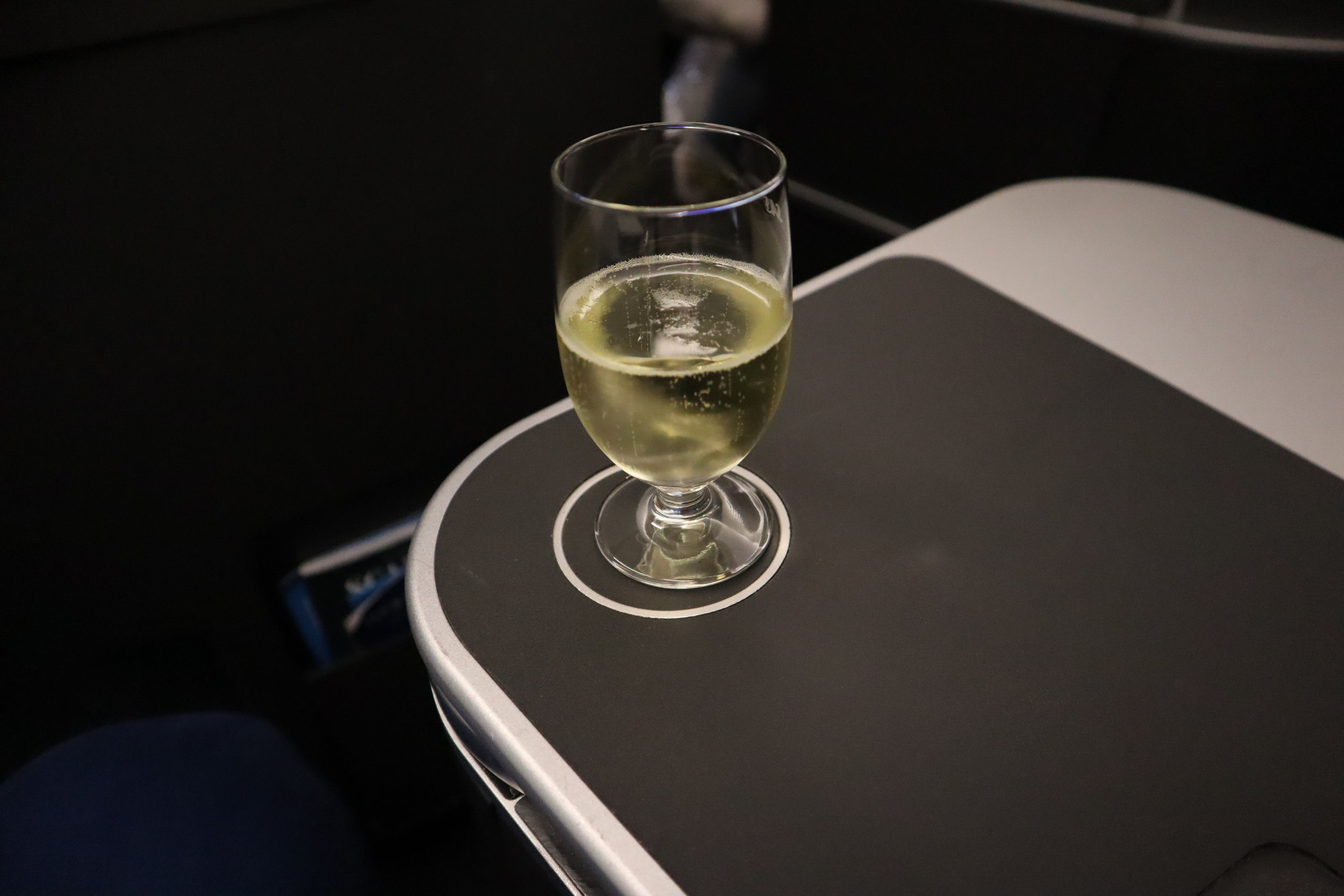 SAS business class – Welcome champagne