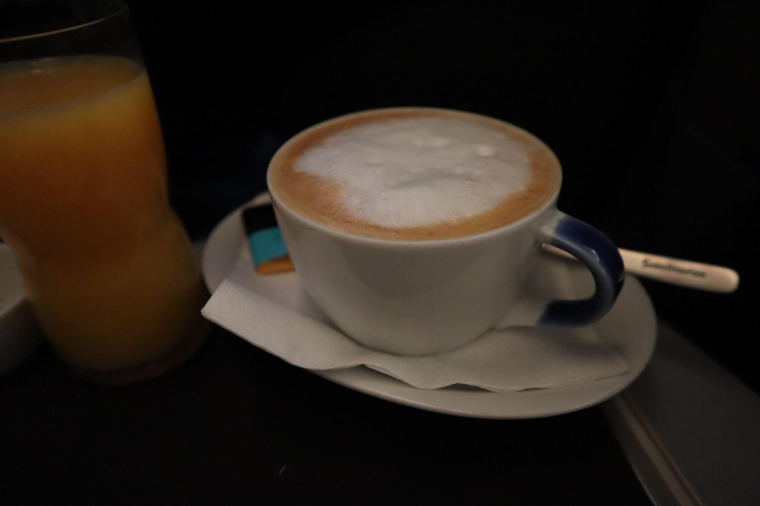 SAS business class – Cappuccino