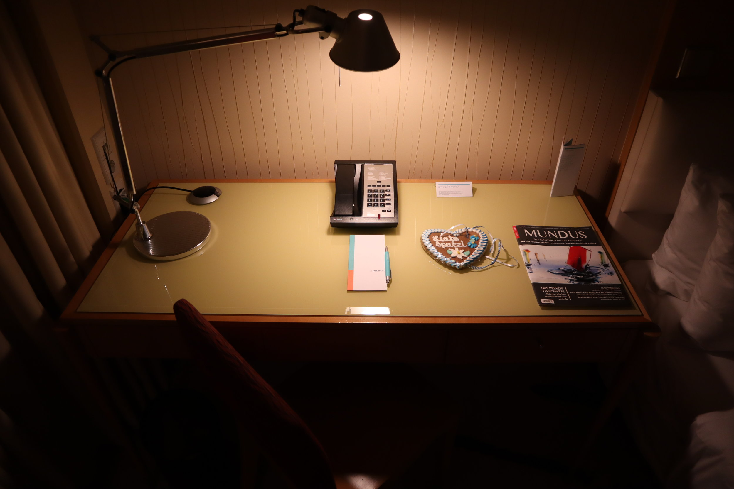 Le Méridien Munich – Desk