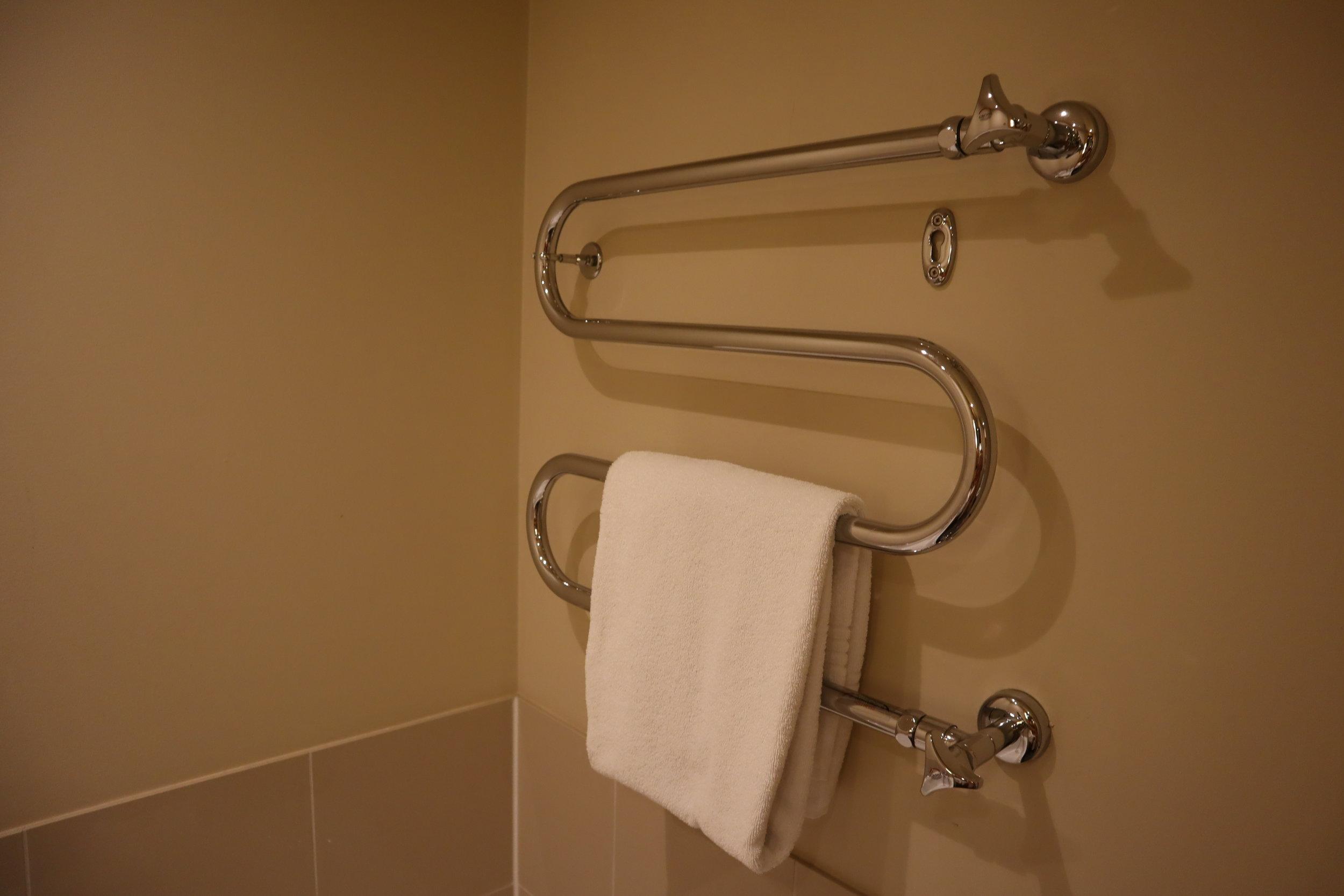 Le Méridien Munich – Heated towel rack