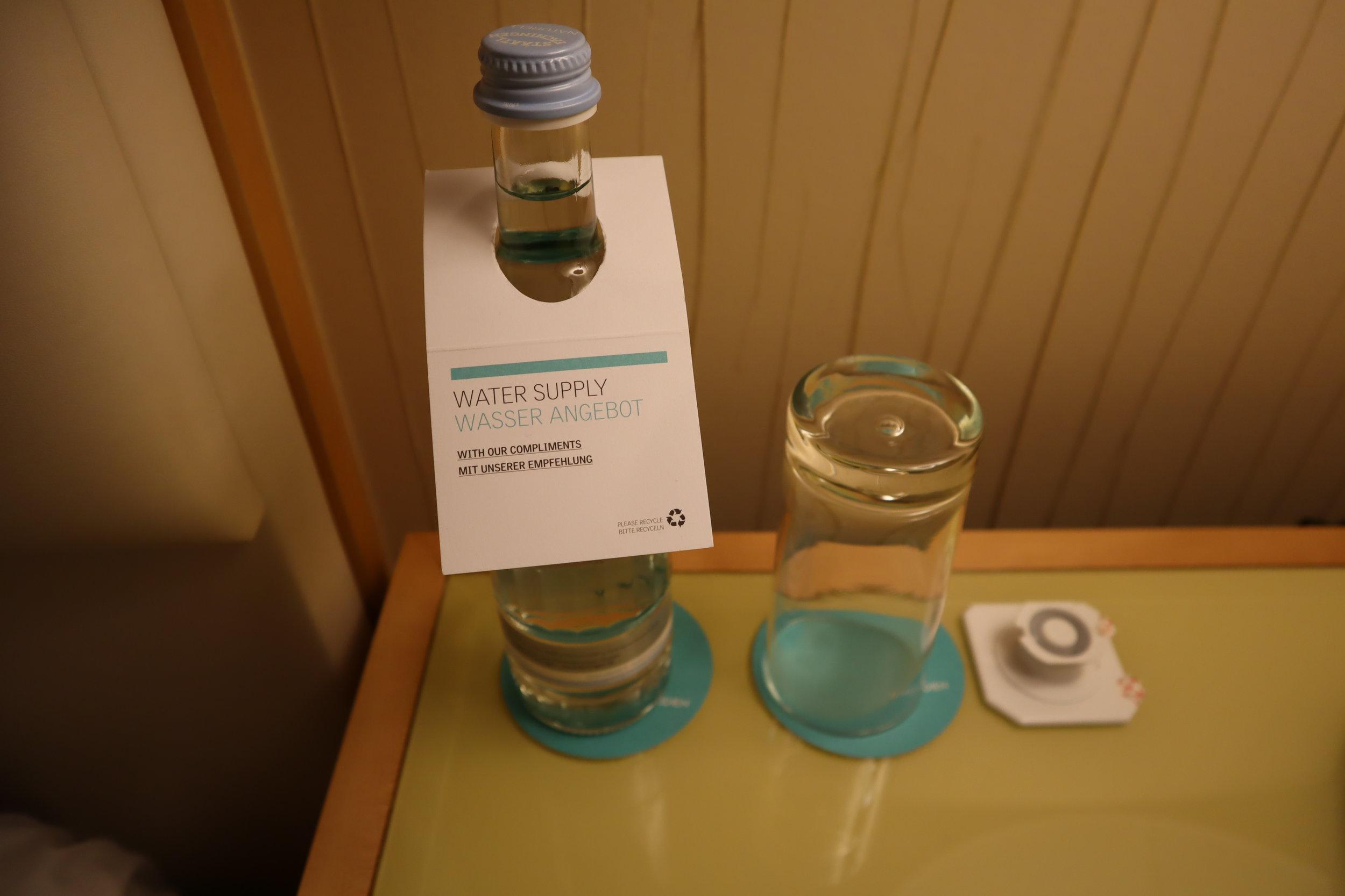 Le Méridien Munich – Complimentary bottled water