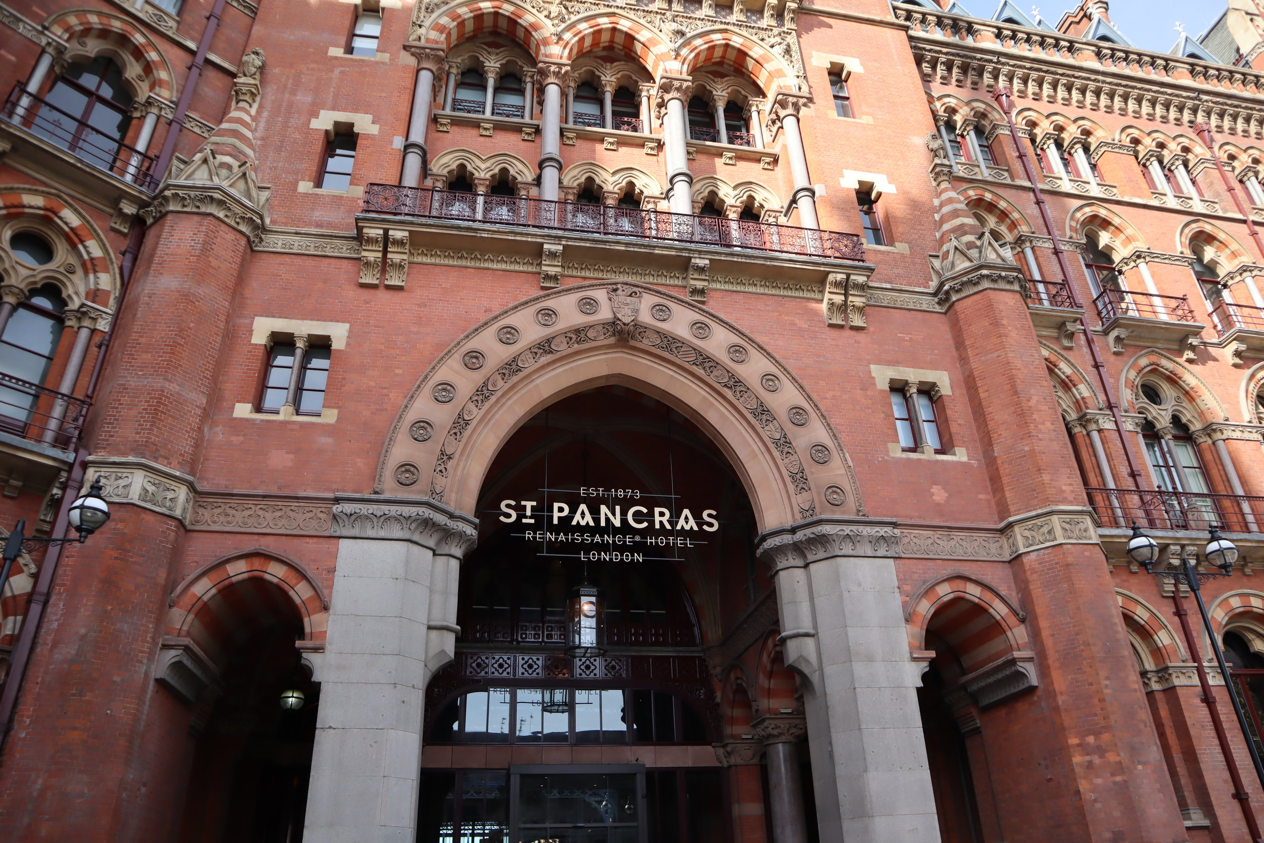 St. Pancras Renaissance Hotel London – Entrance