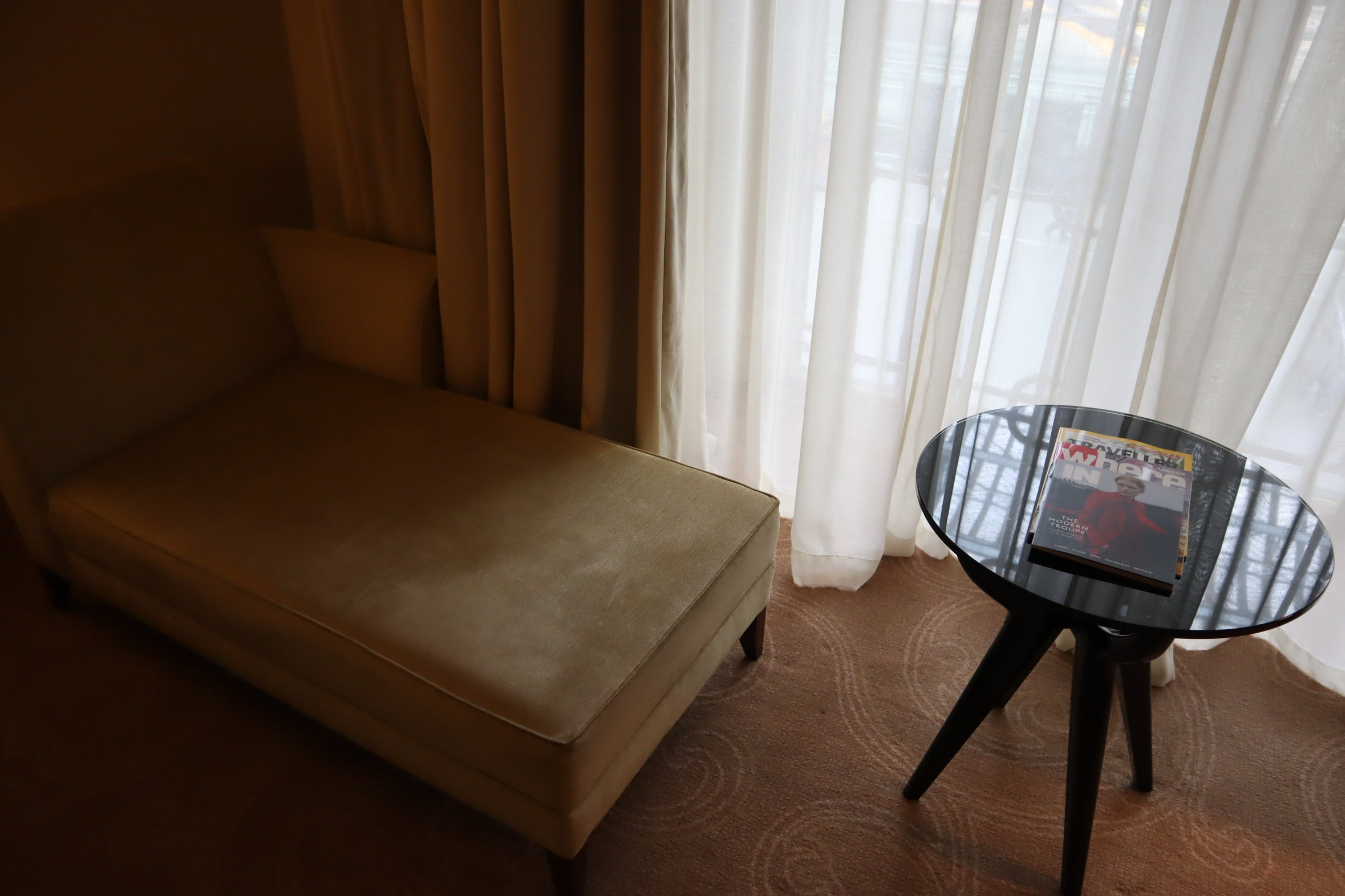 St. Pancras Renaissance Hotel London – Chaise longue and side table