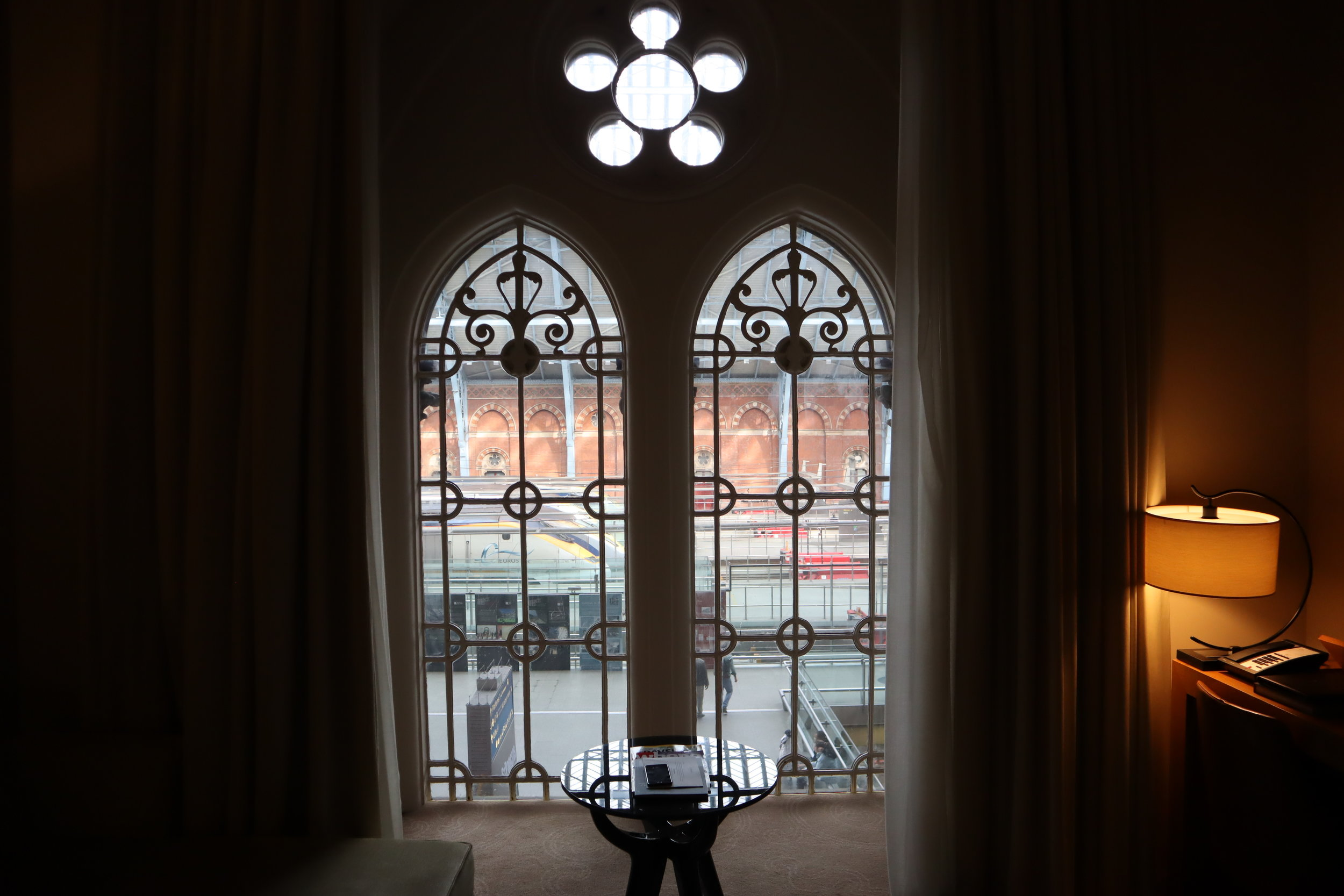 St. Pancras Renaissance Hotel London – Gothic windows
