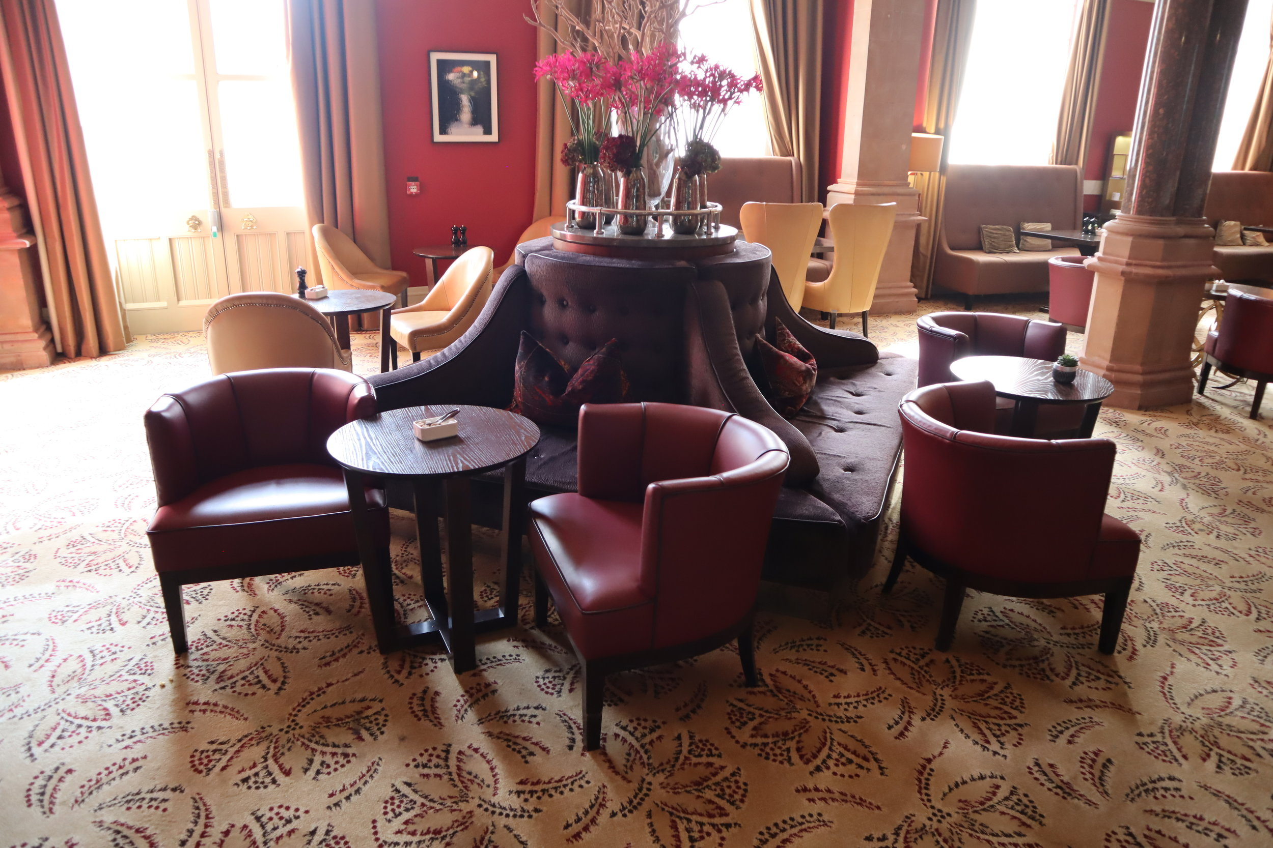 St. Pancras Renaissance Hotel London – Chambers Club seating
