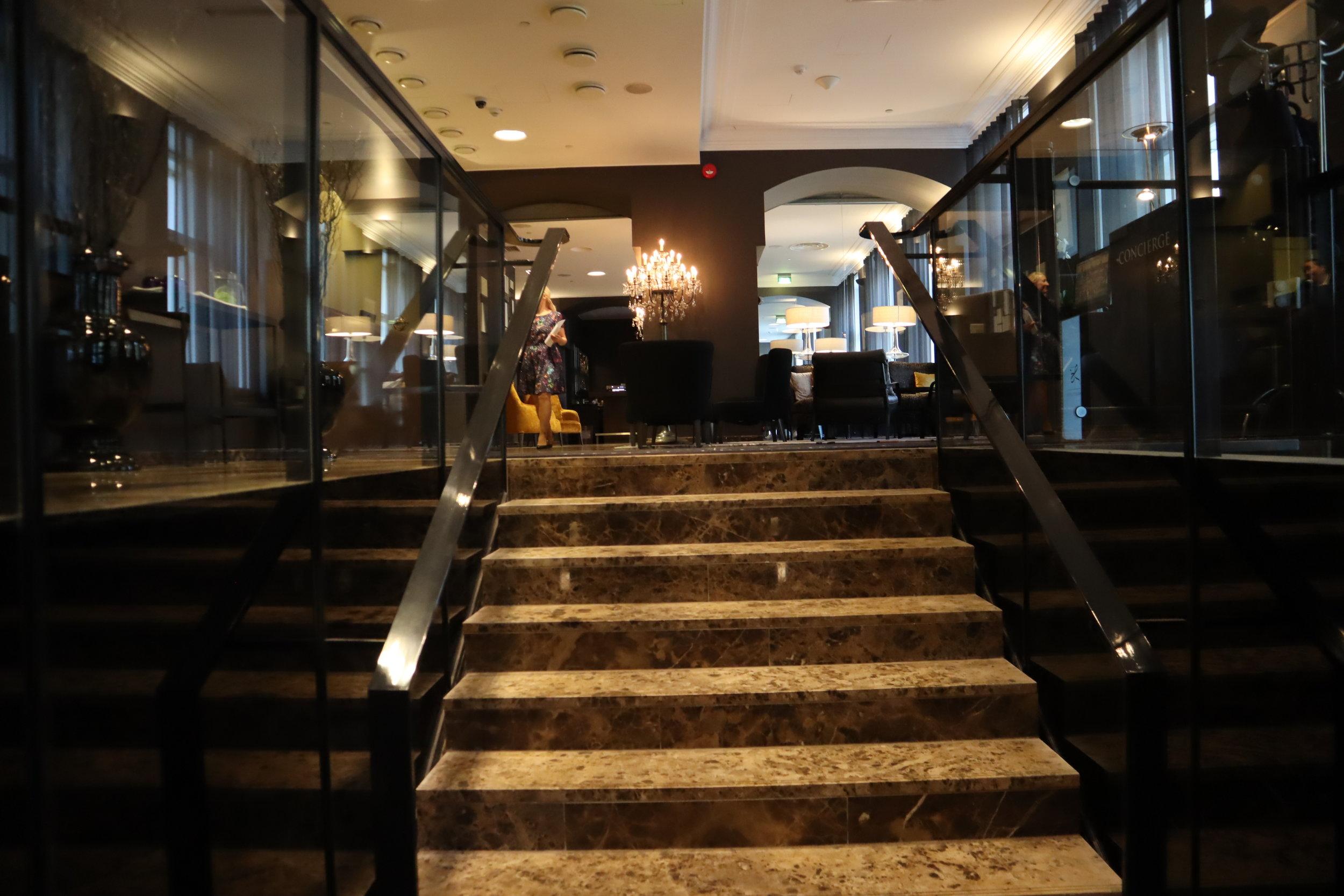 Hotel Telegraaf Tallinn – Entrance stairway