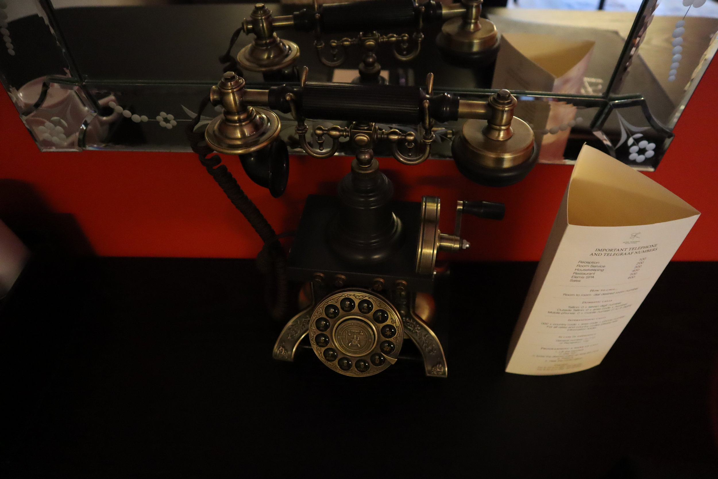 Hotel Telegraaf Tallinn – Old-school telephone