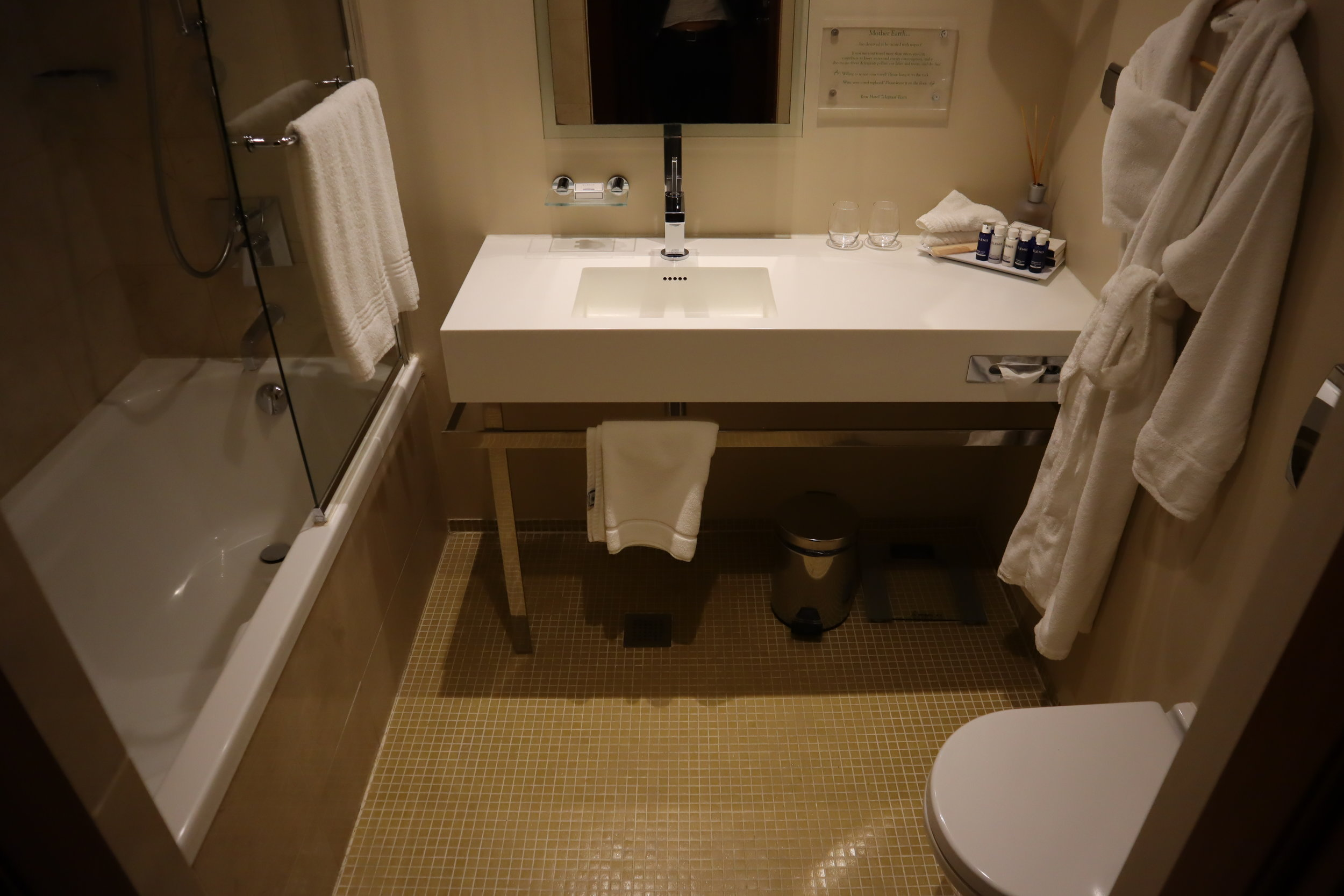 Hotel Telegraaf Tallinn – Junior suite bathroom