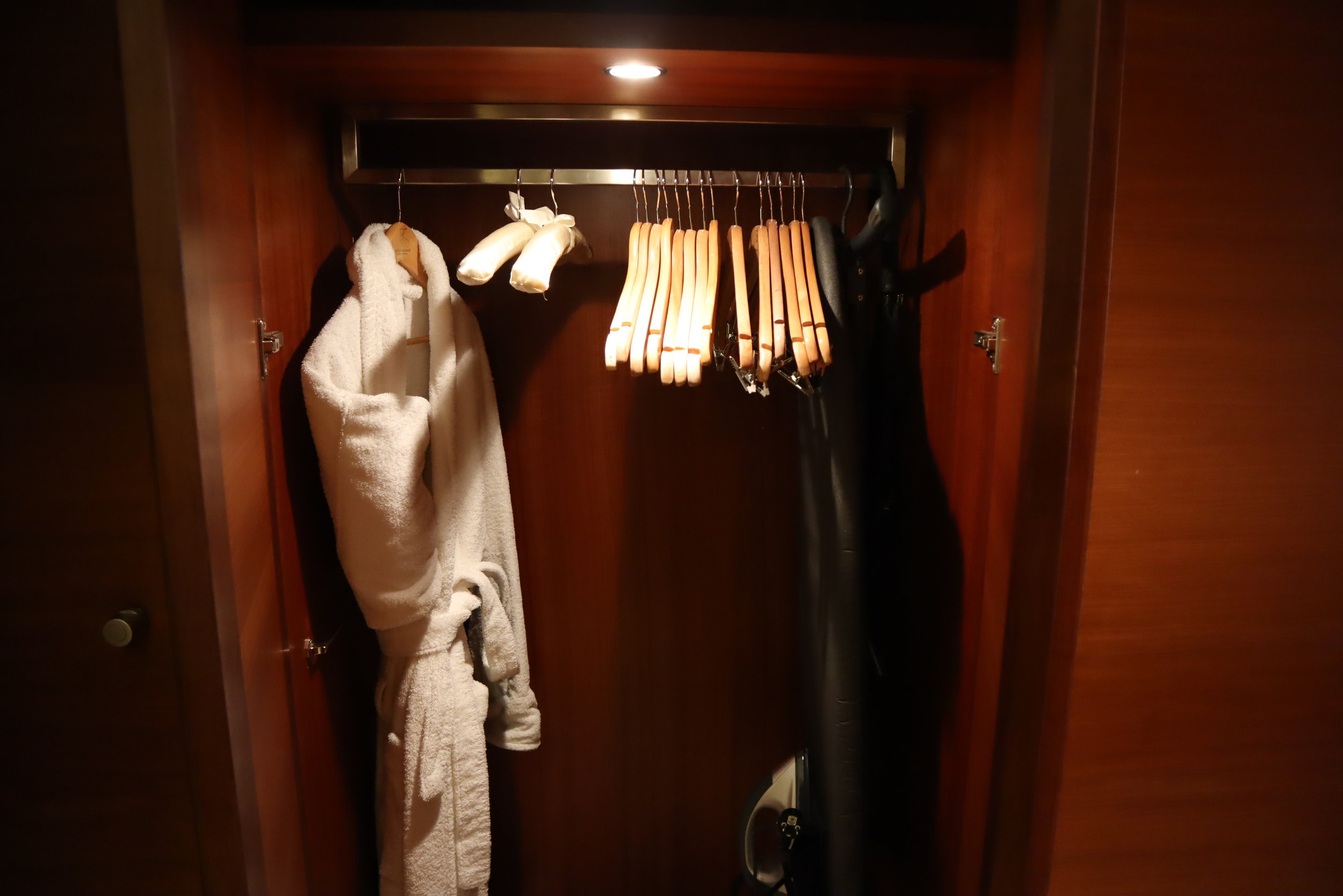 Hotel Telegraaf Tallinn – Bathrobe