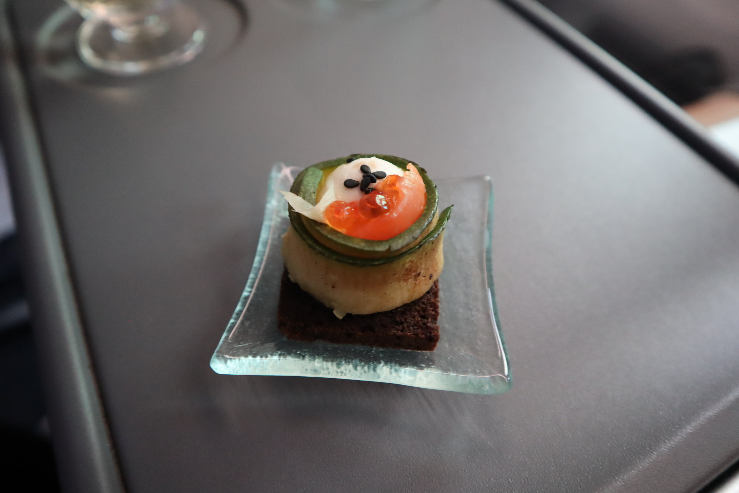 LOT Polish Airlines business class – Amuse bouche