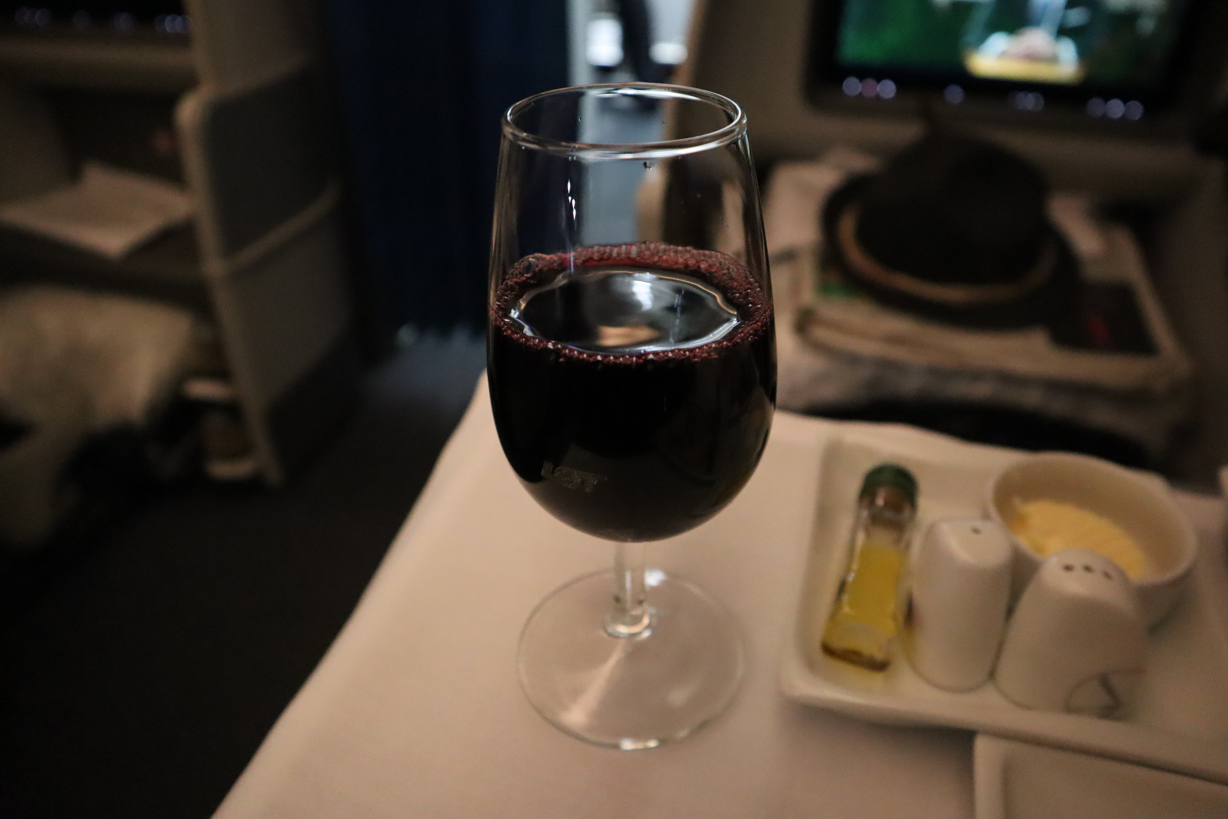 LOT Polish Airlines business class – Red wine