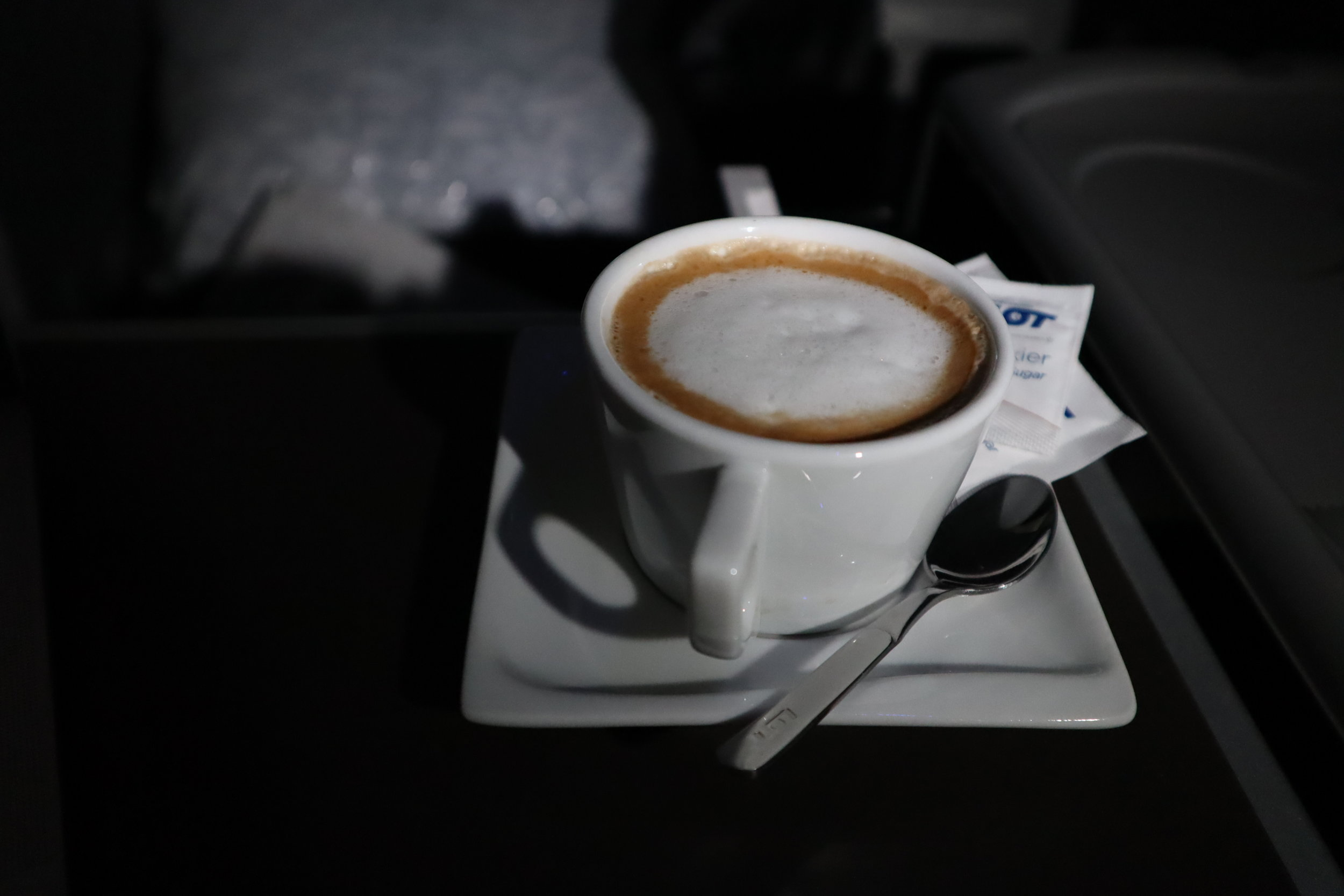 LOT Polish Airlines business class – Cappuccino