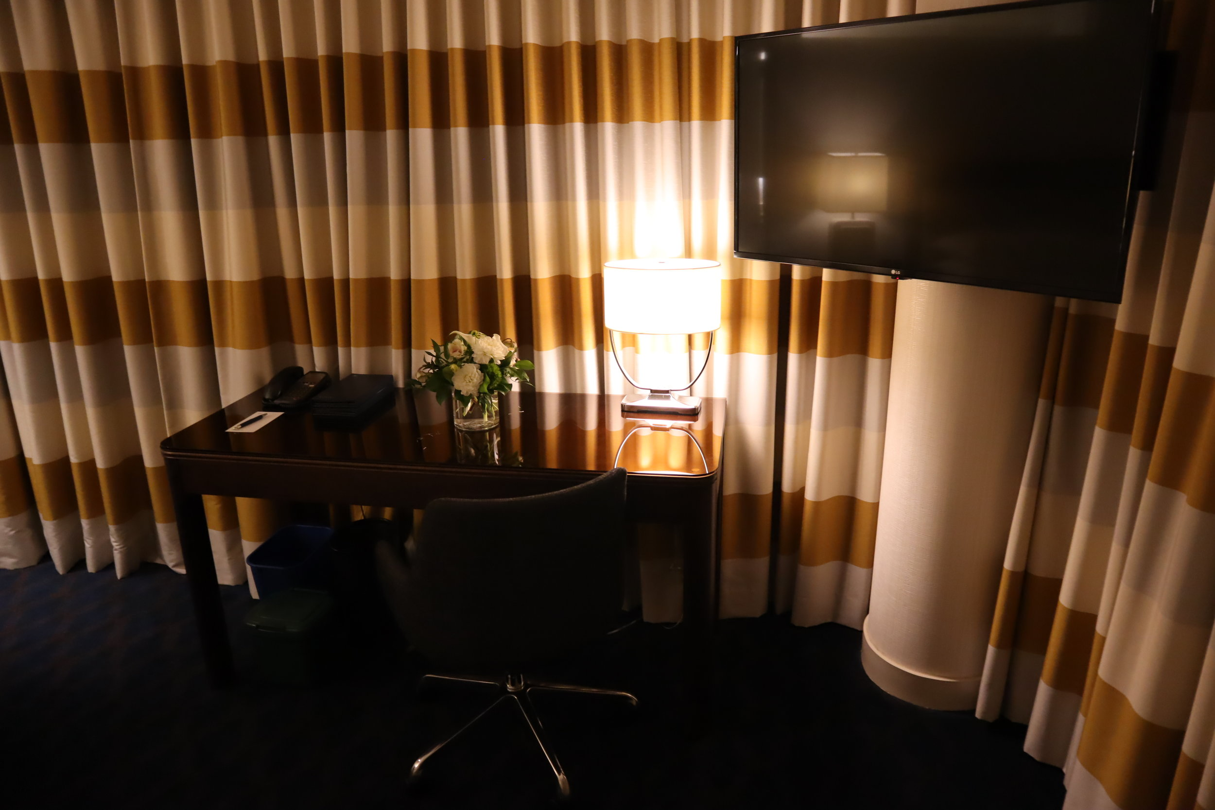 Sheraton Vancouver Wall Centre – Corner suite desk and television