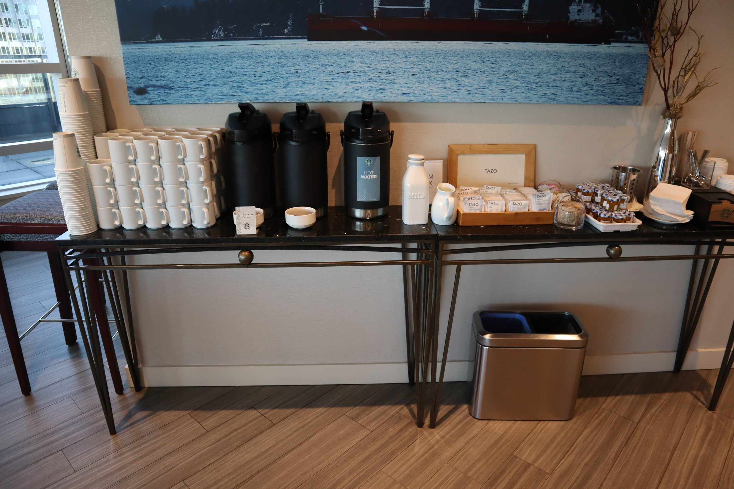 Sheraton Vancouver Wall Centre – Sheraton Club Lounge coffee & tea