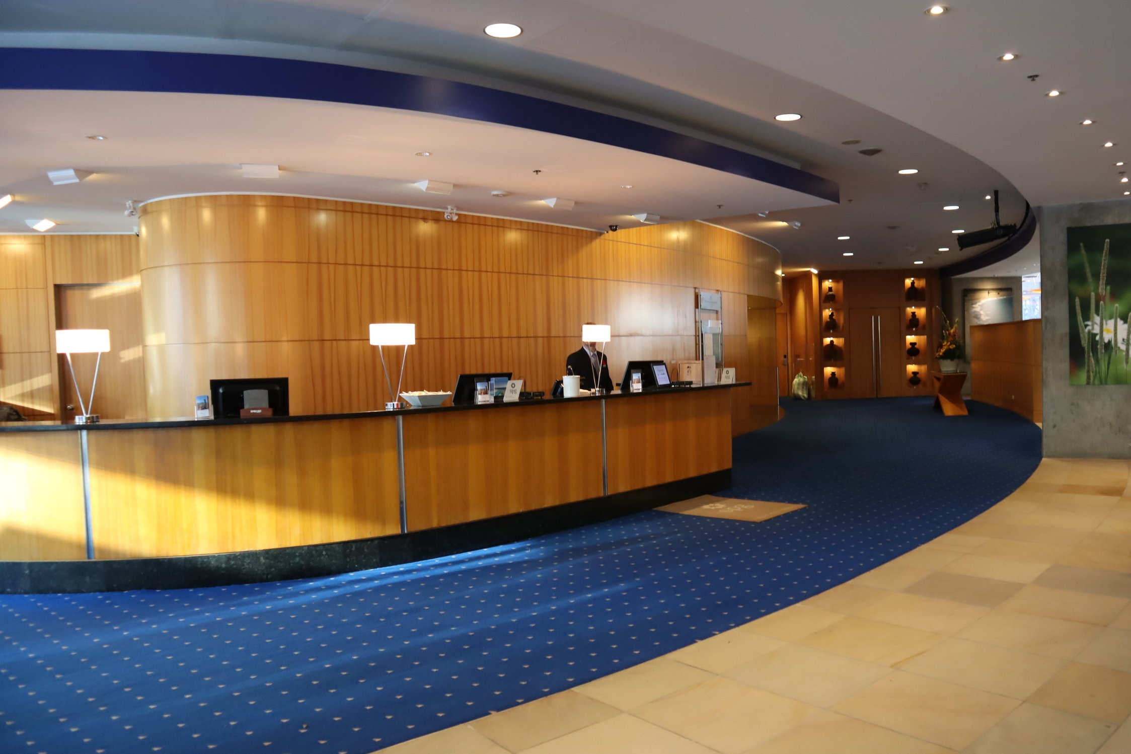 Sheraton Vancouver Wall Centre – North Tower front desk