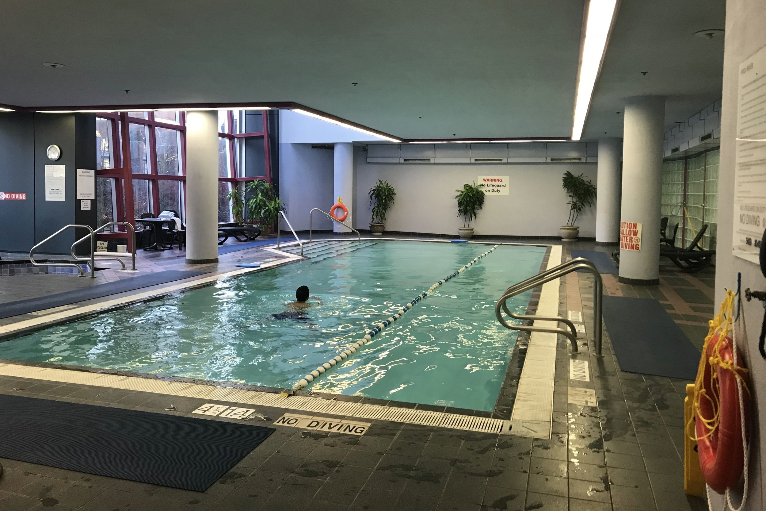 Sheraton Vancouver Wall Centre – Indoor pool