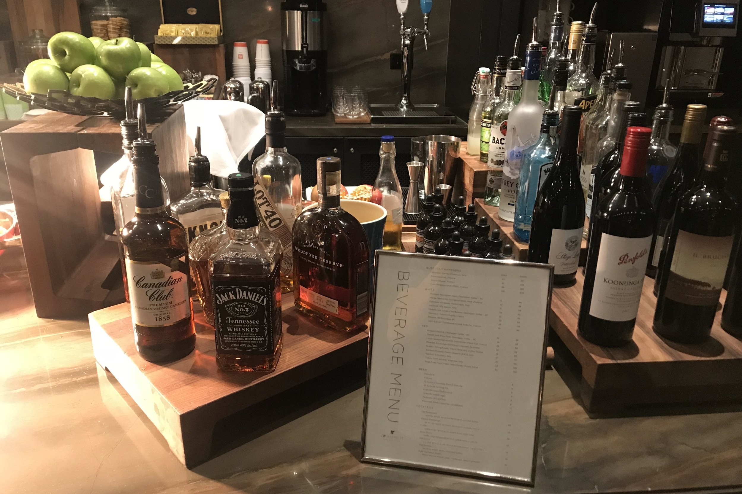 JW Marriott Parq Vancouver – Executive Lounge honour bar