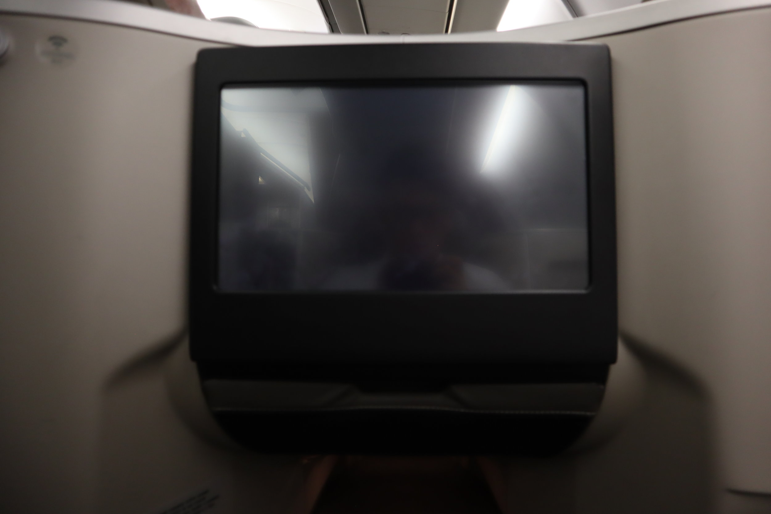 TAP Air Portugal business class – Entertainment monitor