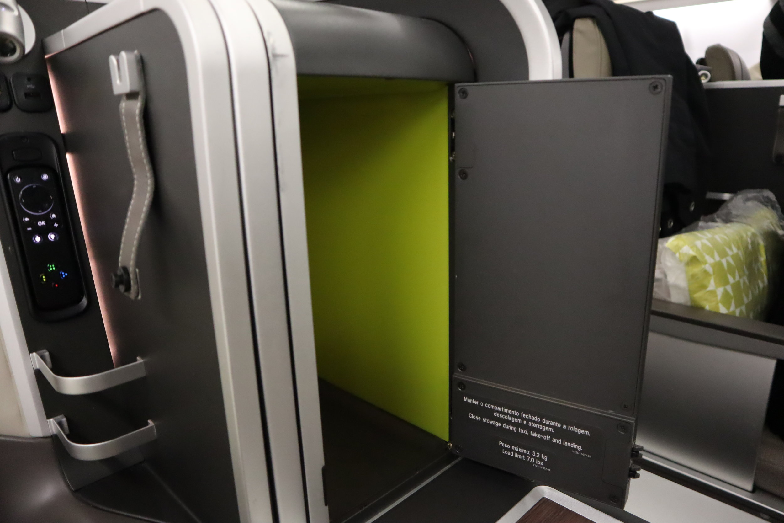 TAP Air Portugal business class – Storage compartment