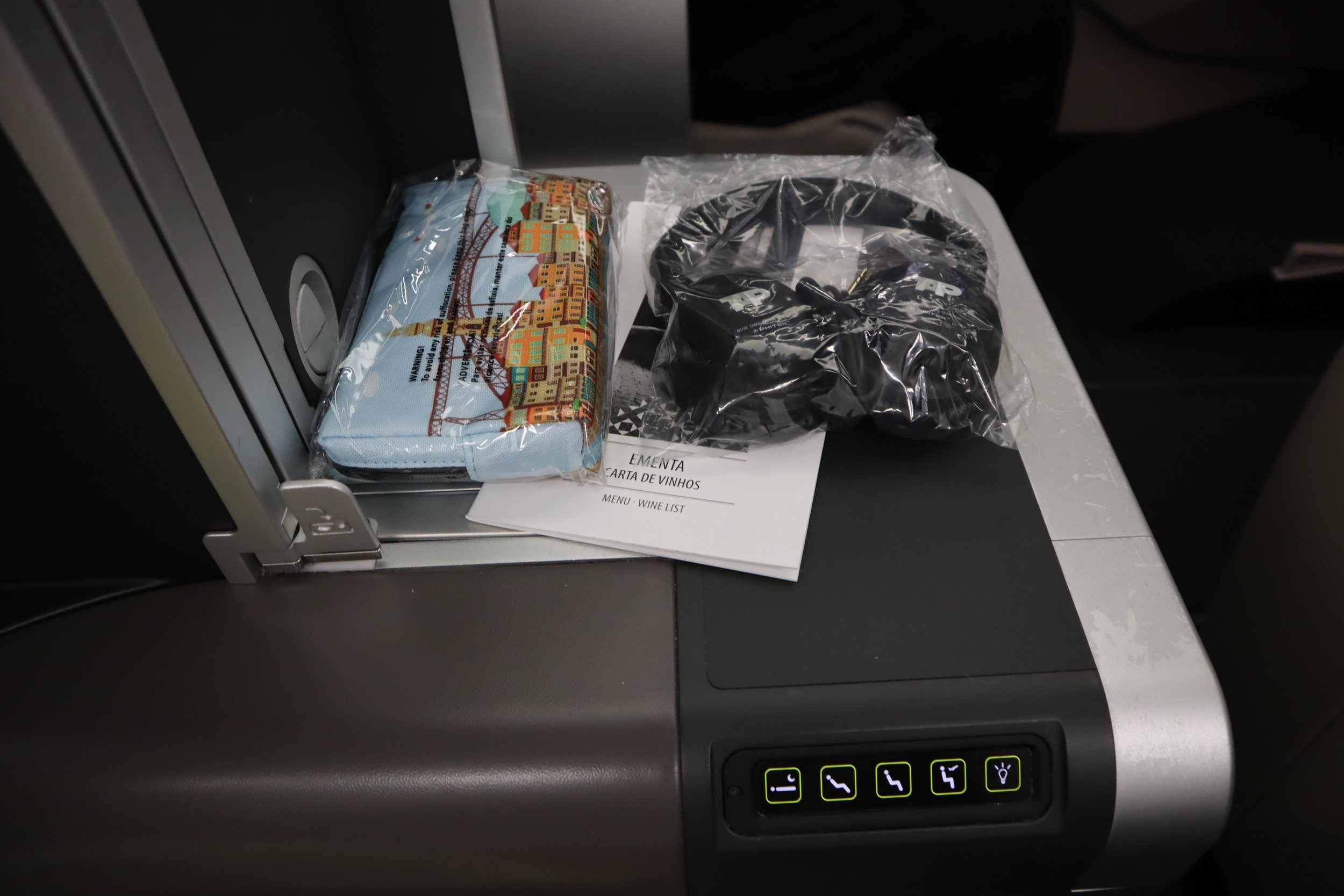 TAP Air Portugal business class – Items at seat