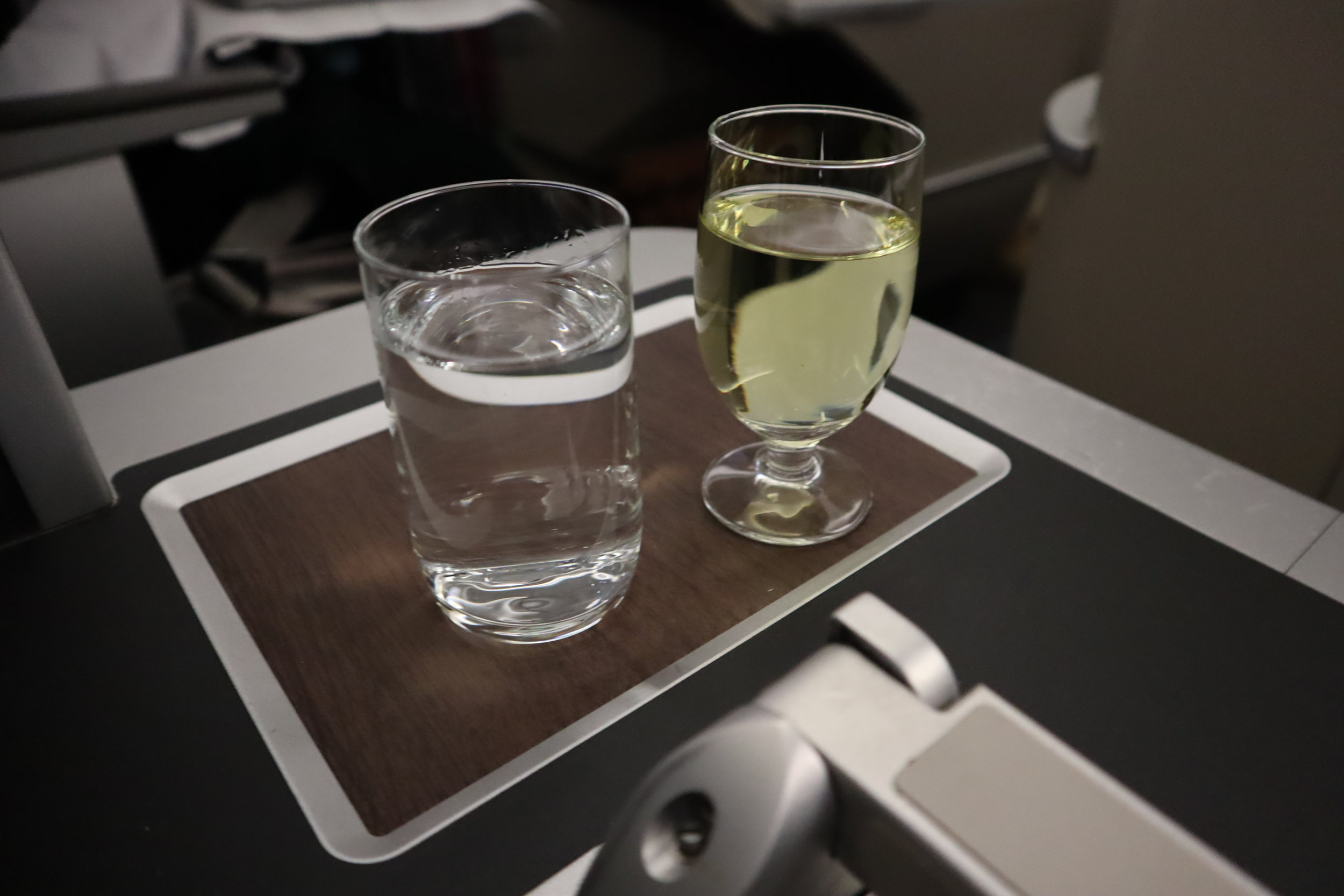 TAP Air Portugal business class – White wine