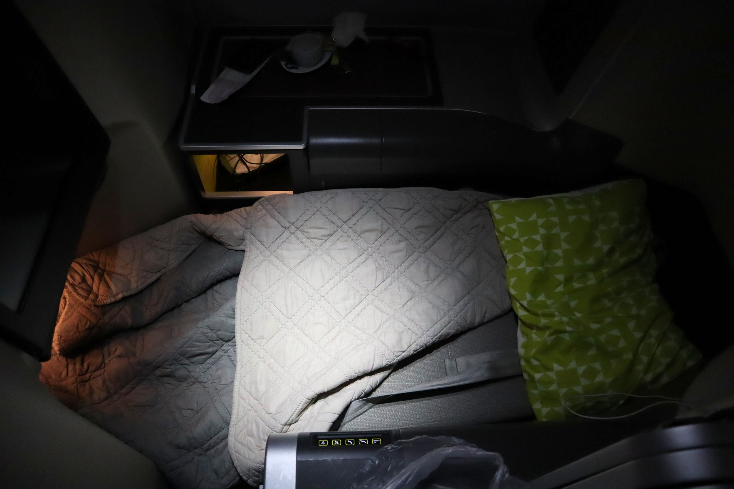 TAP Air Portugal business class – Bed