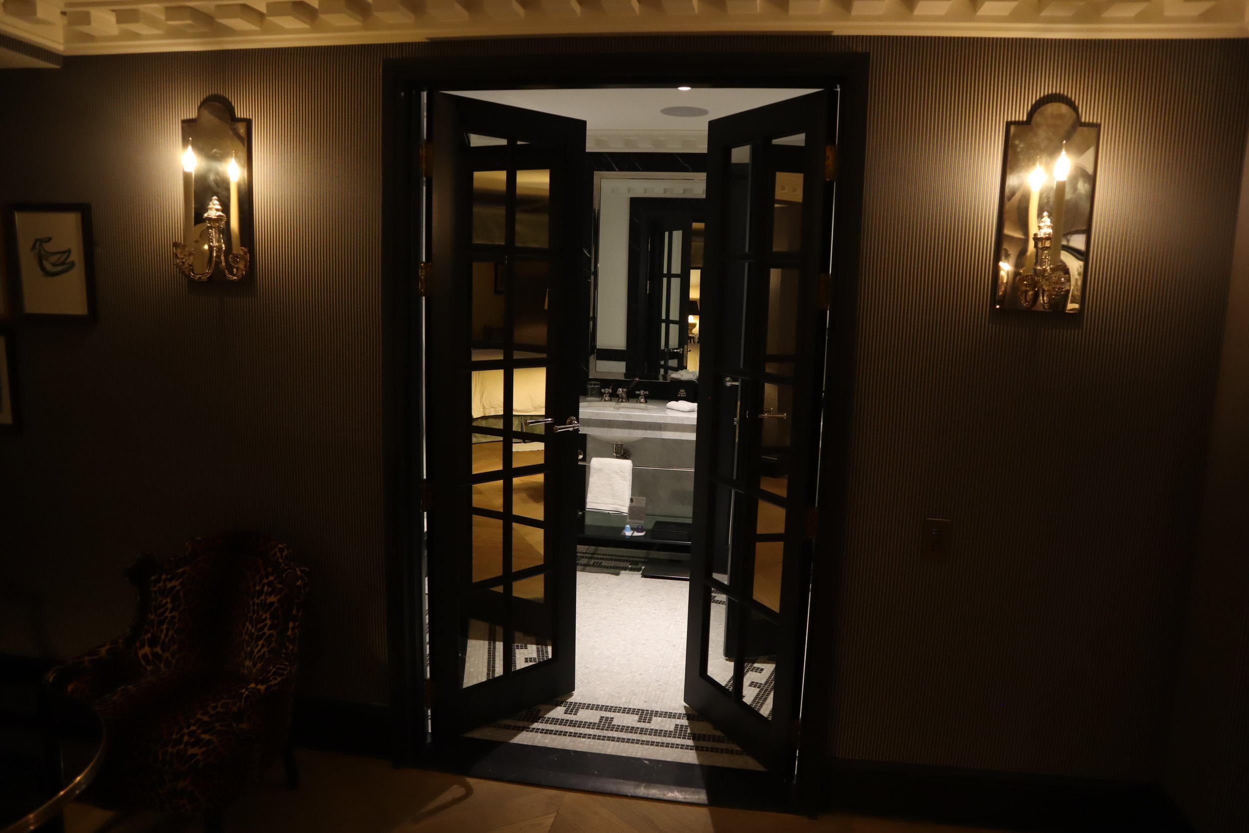 Hôtel de Berri Paris – Berri Suite bathroom door
