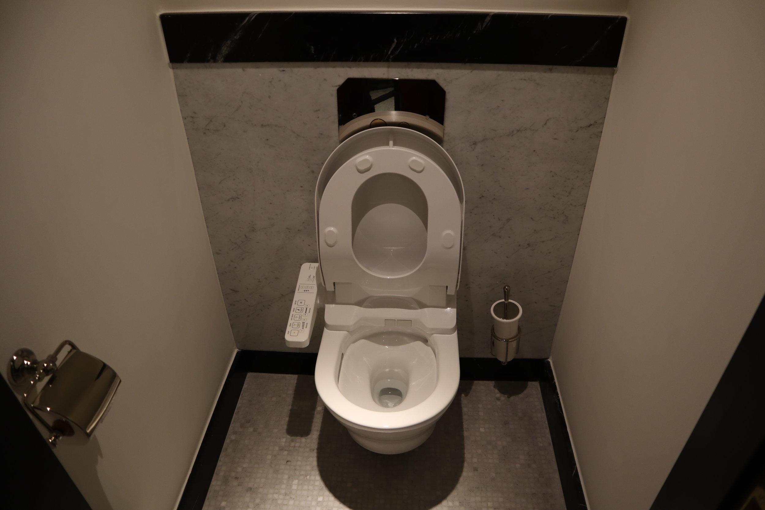 Hôtel de Berri Paris – Berri Suite toilet