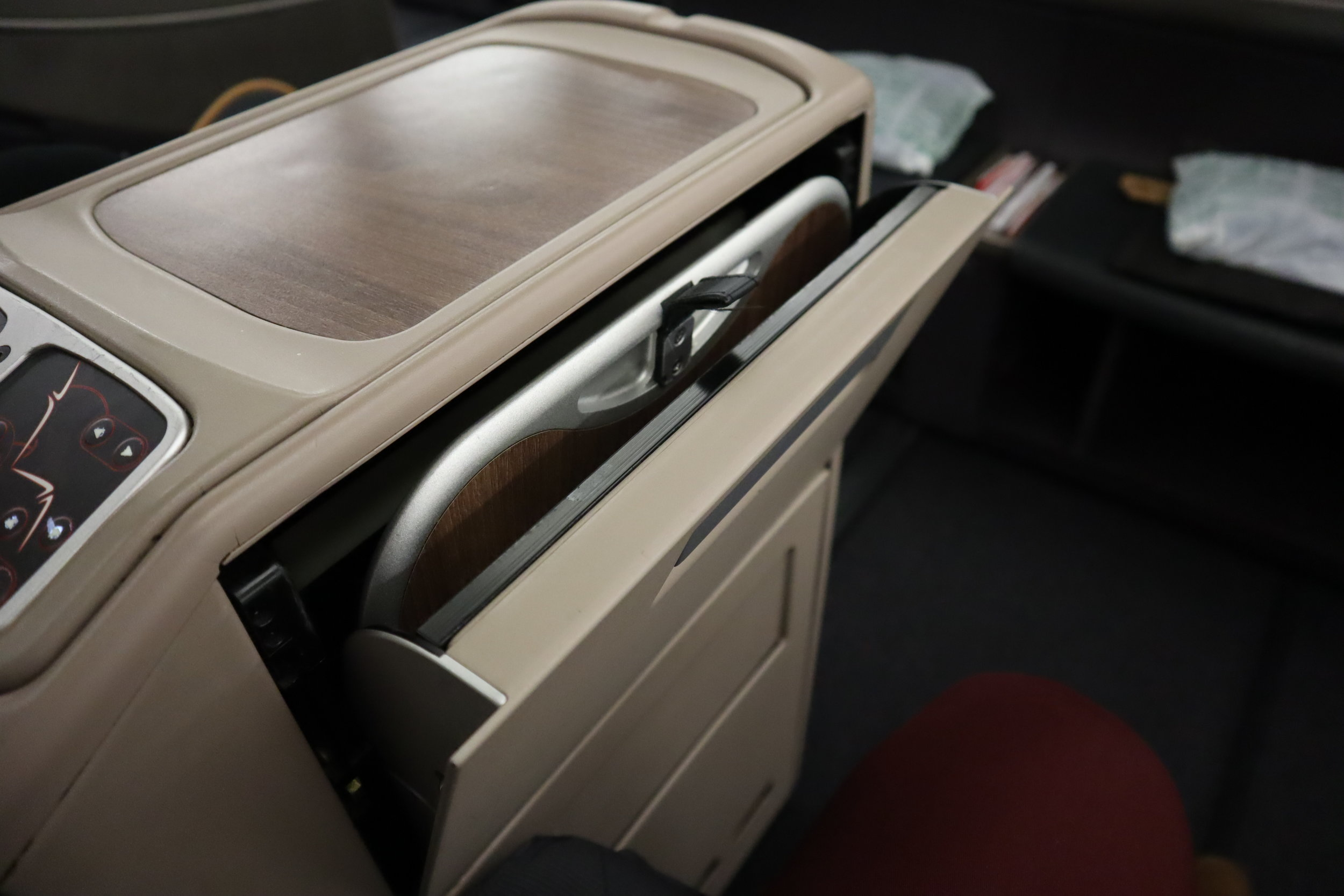 Turkish Airlines A330 business class – Tray table