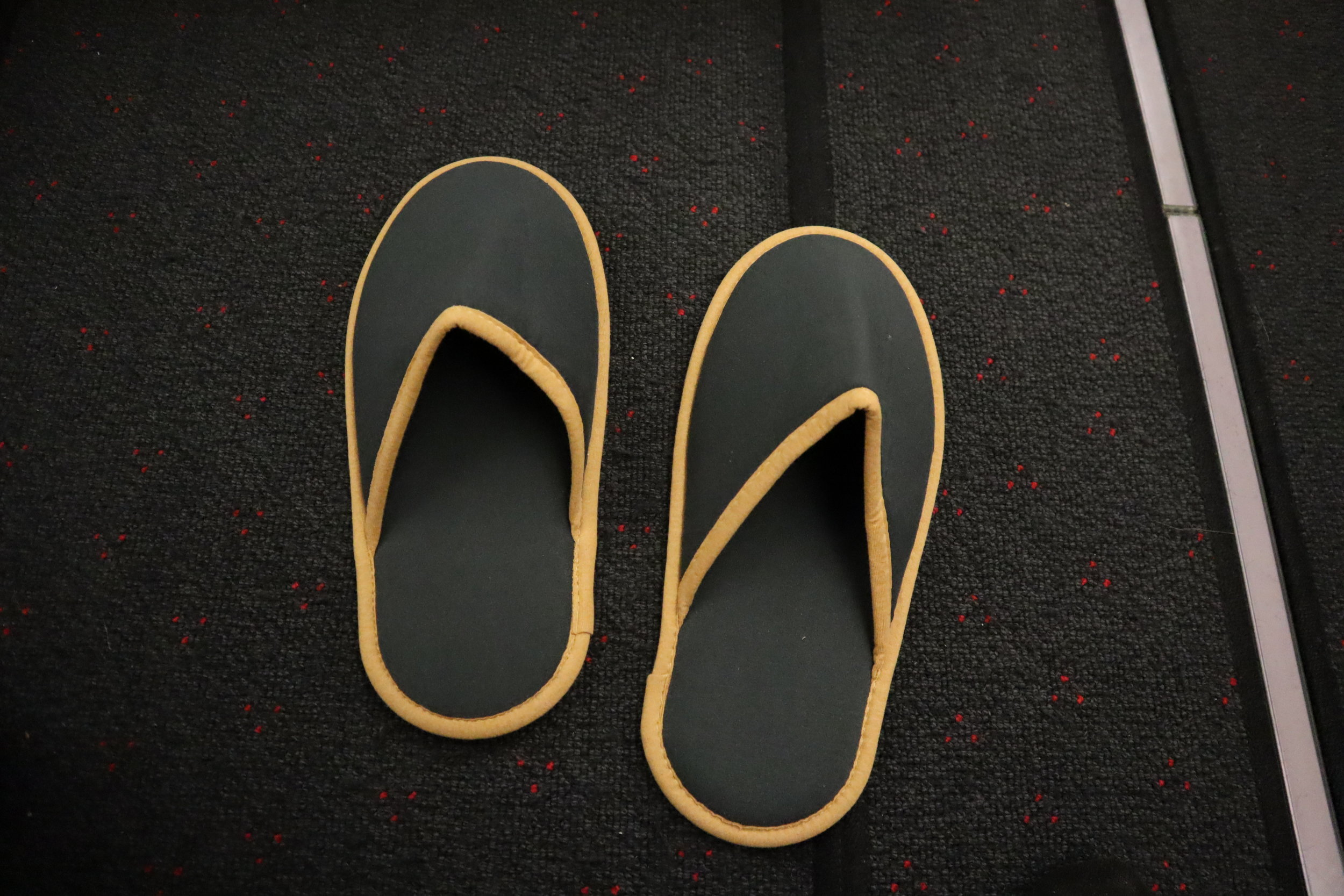 Turkish Airlines A330 business class – Slippers