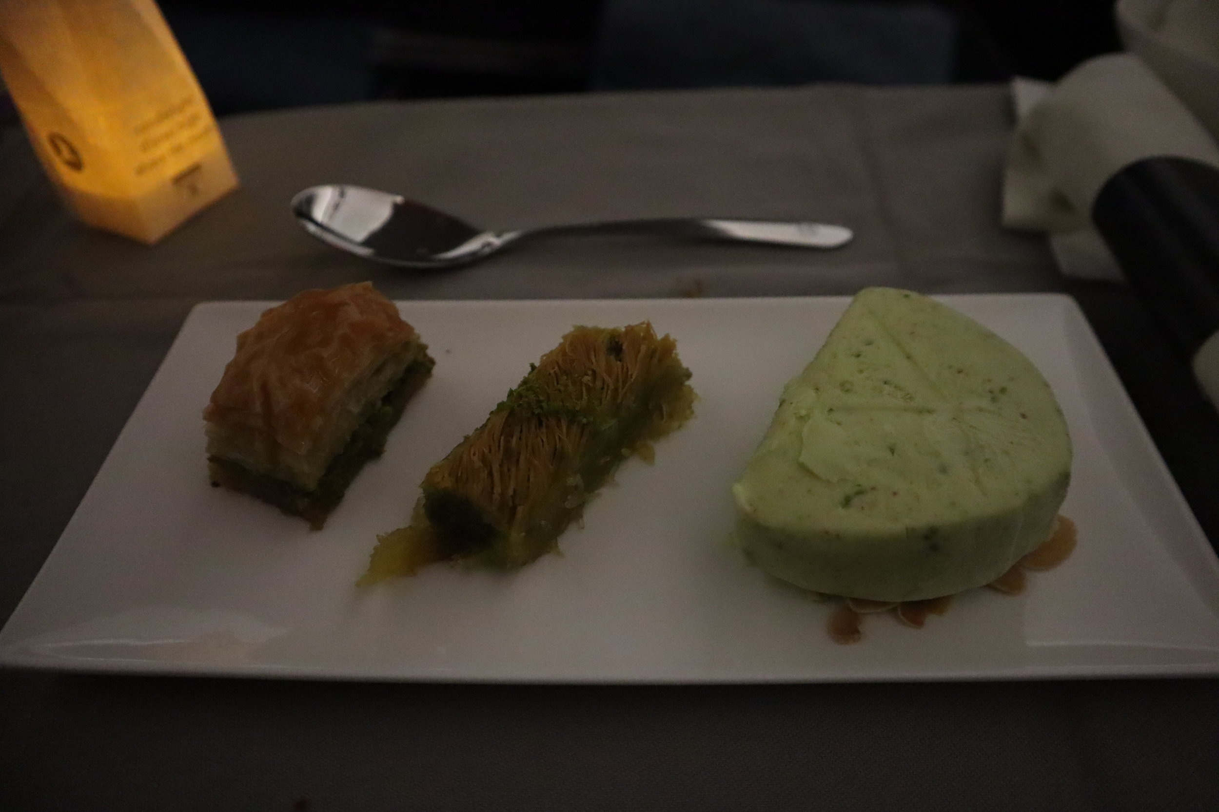 Turkish Airlines A330 business class – Pistachio ice cream and baklava