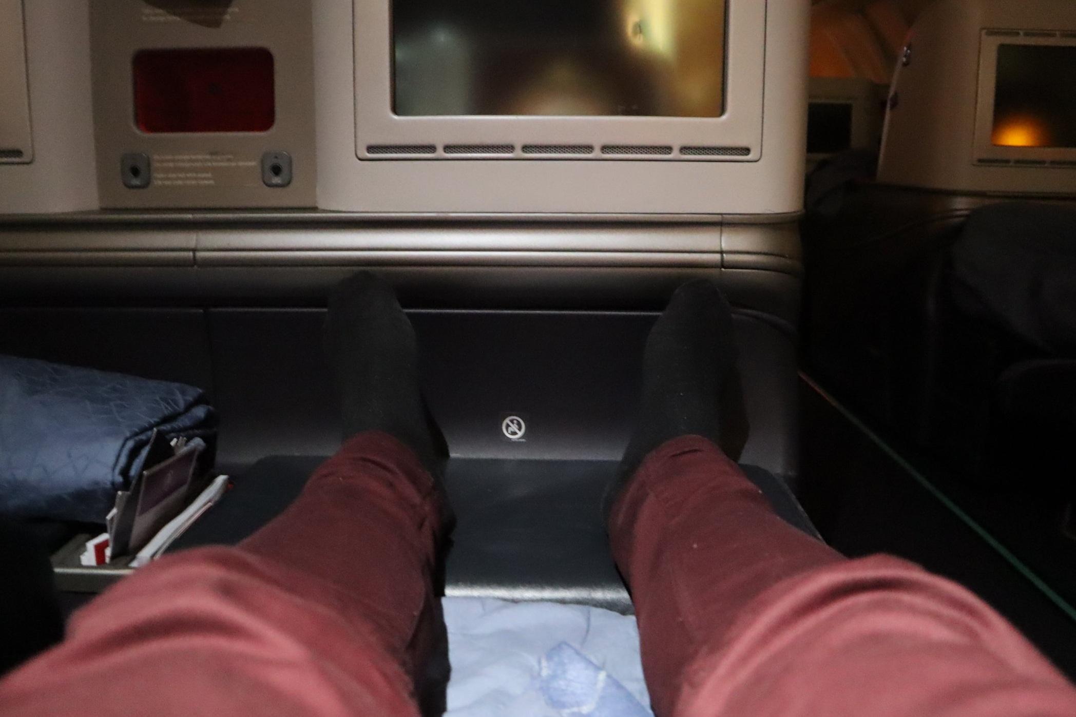 Turkish Airlines A330 business class – Lie-flat mode legroom