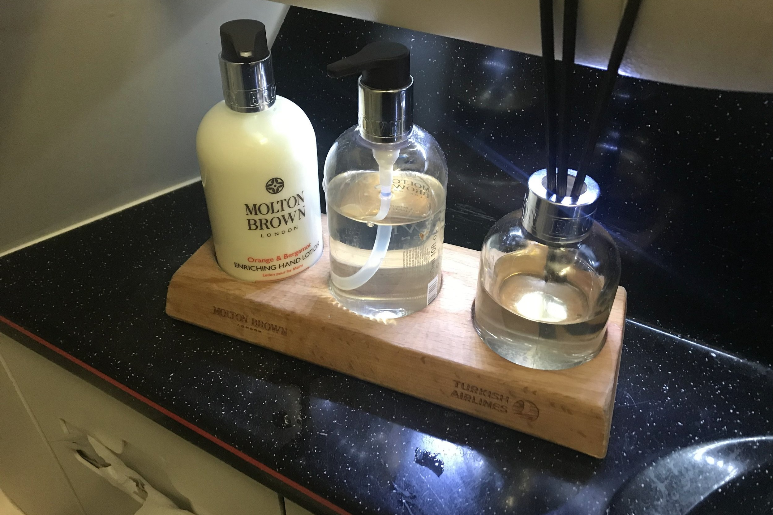 Turkish Airlines A330 business class – Restroom amenities