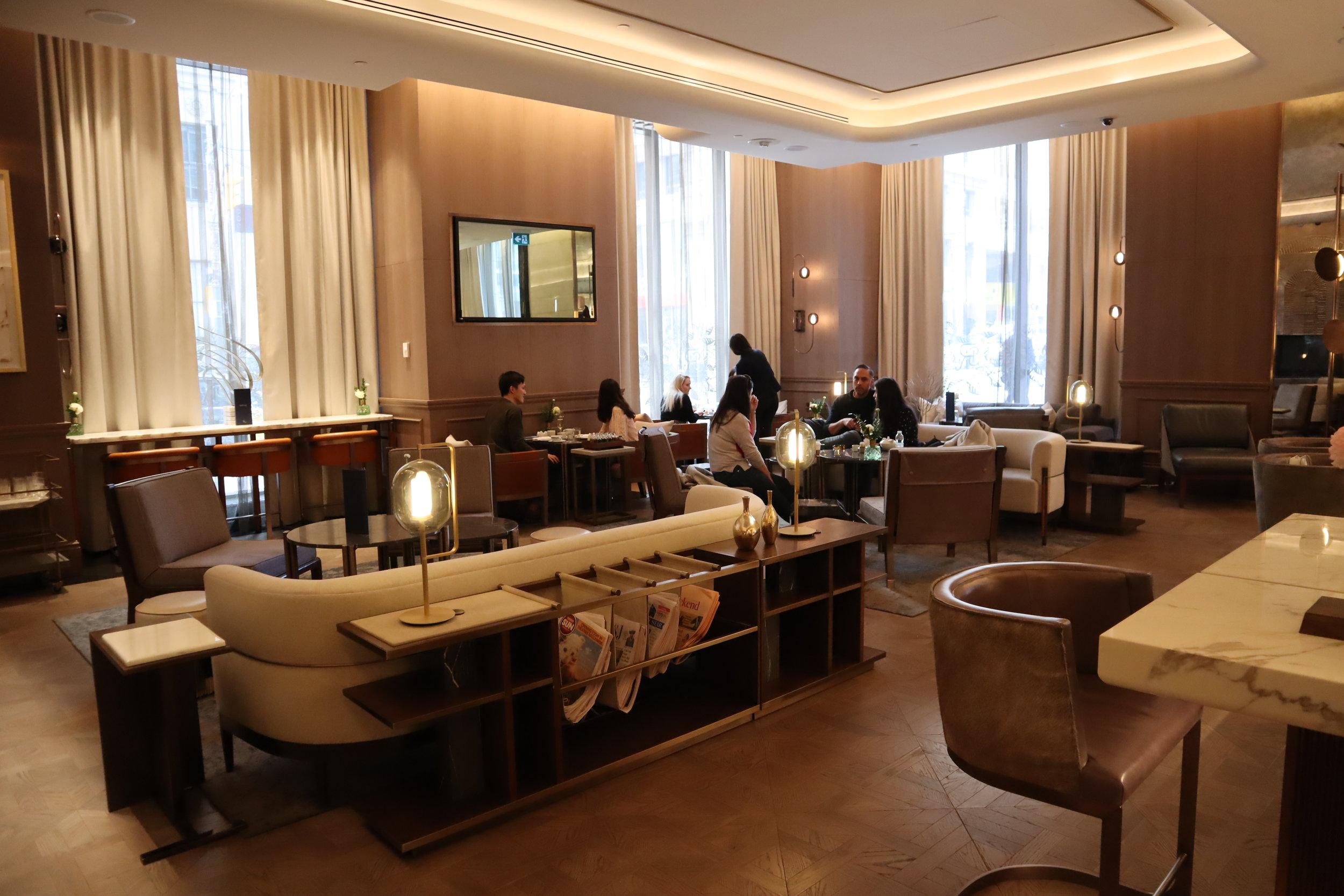 St. Regis Toronto – Astor Lounge