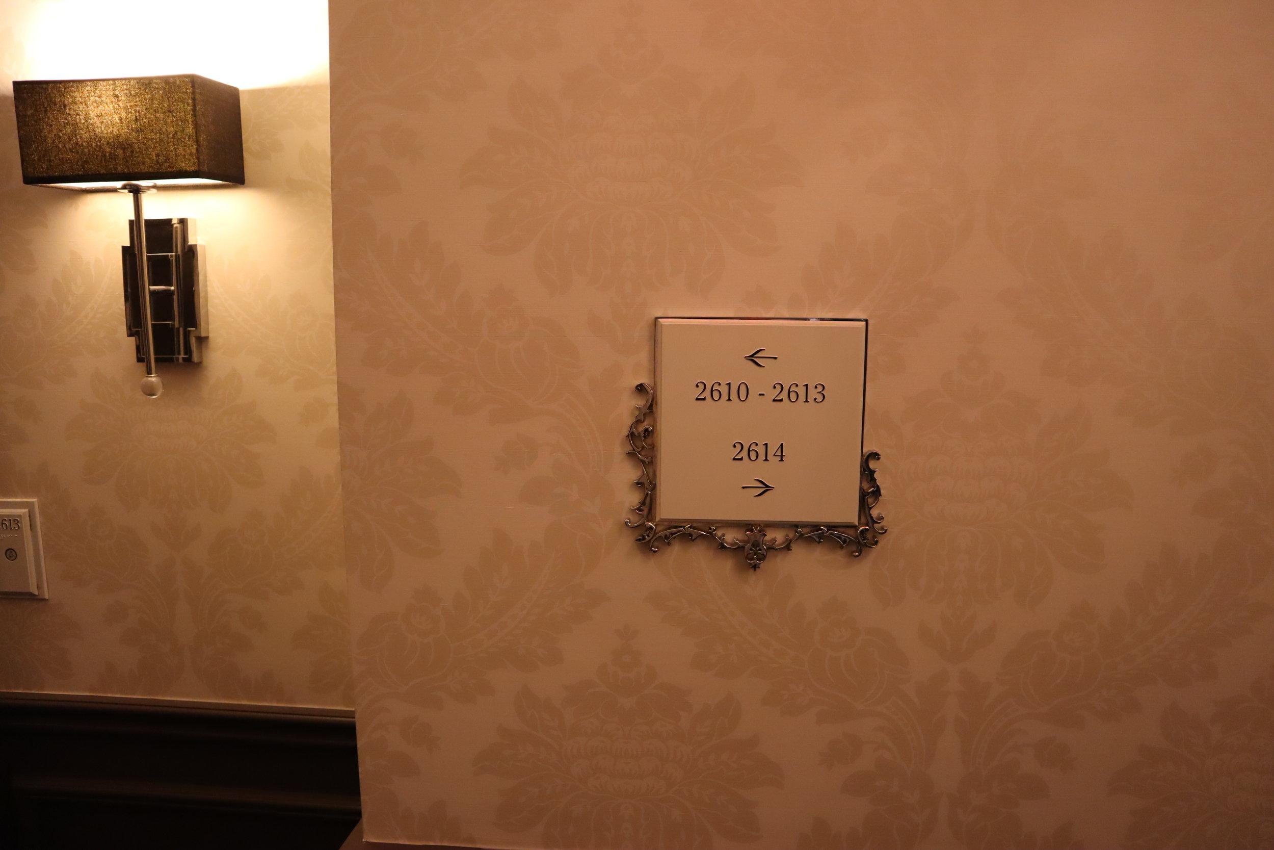 St. Regis Toronto – Hallway sign