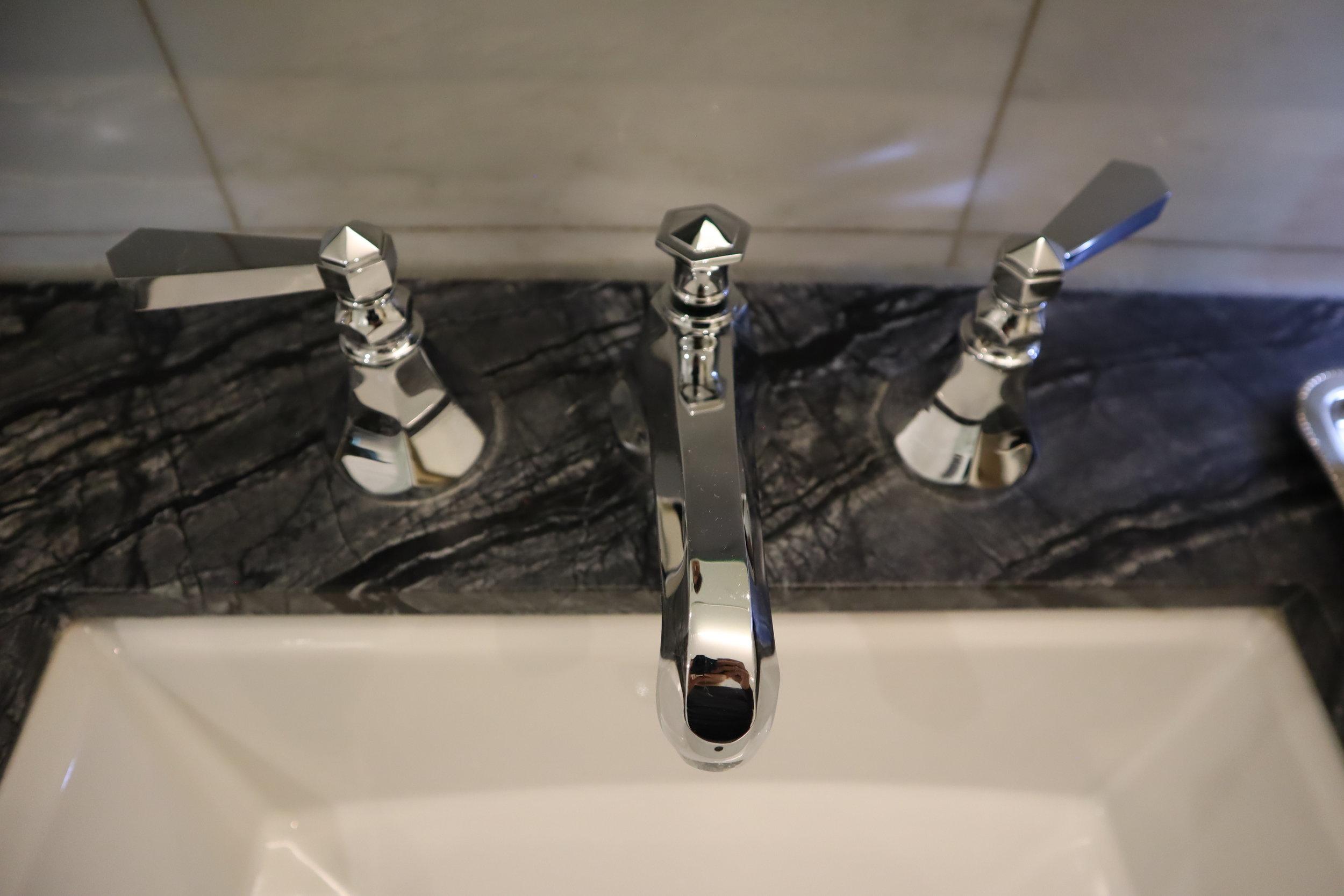 St. Regis Toronto – Wonky tap