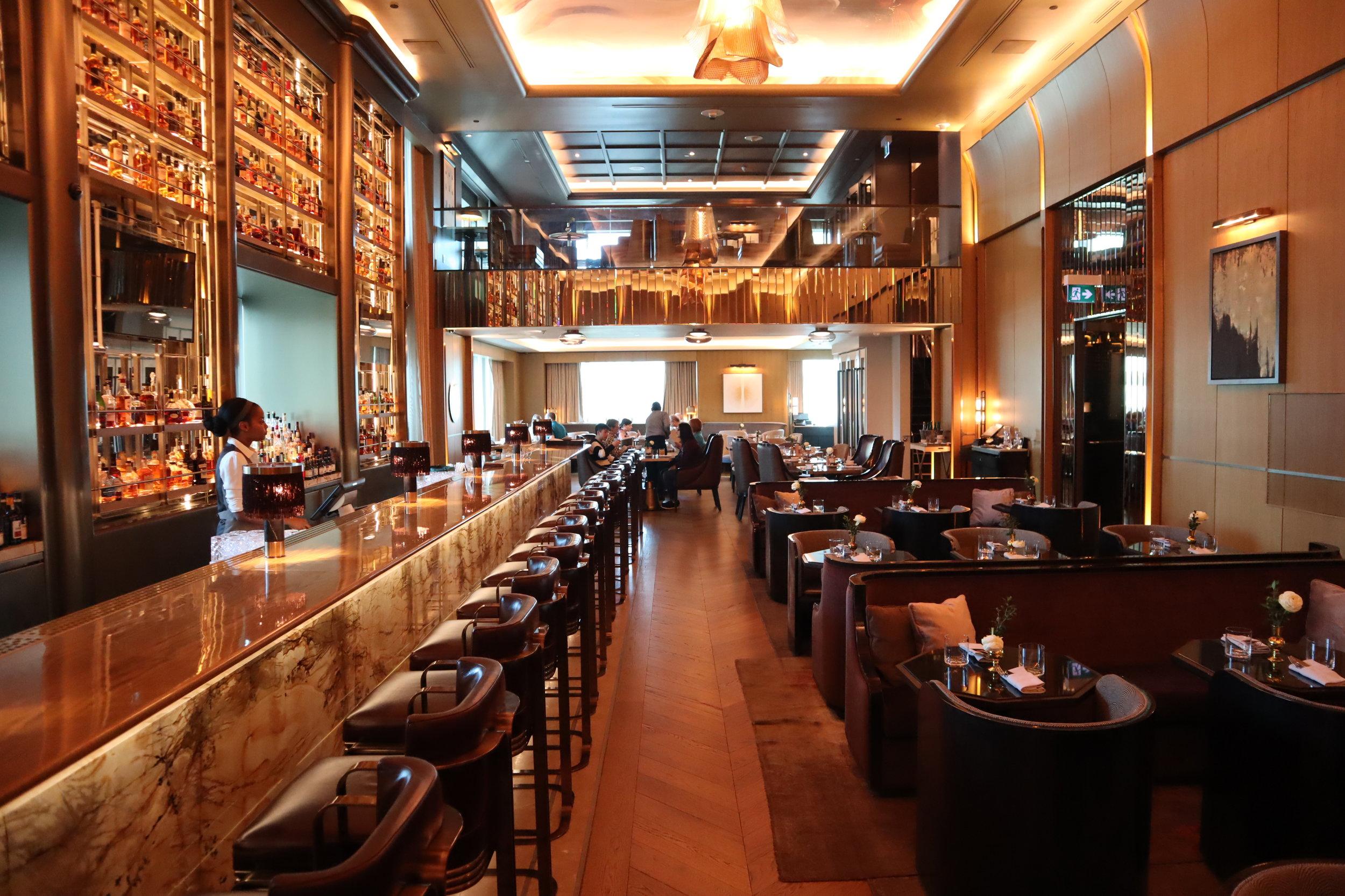St. Regis Toronto – Louix Louis restaurant