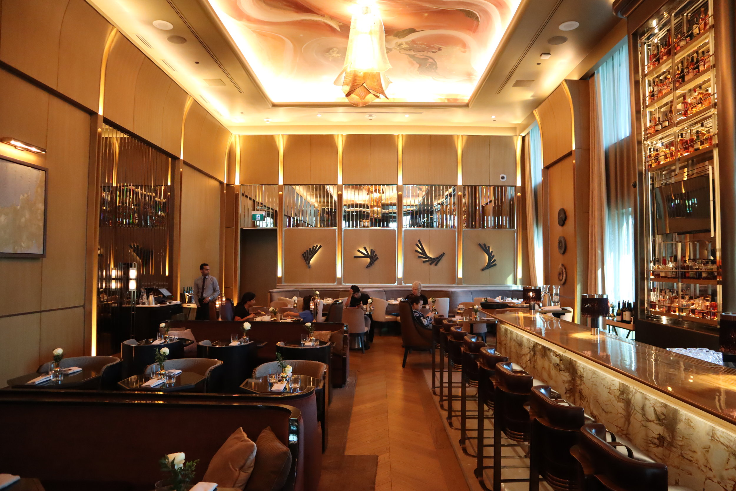St. Regis Toronto – Louis Louix restaurant