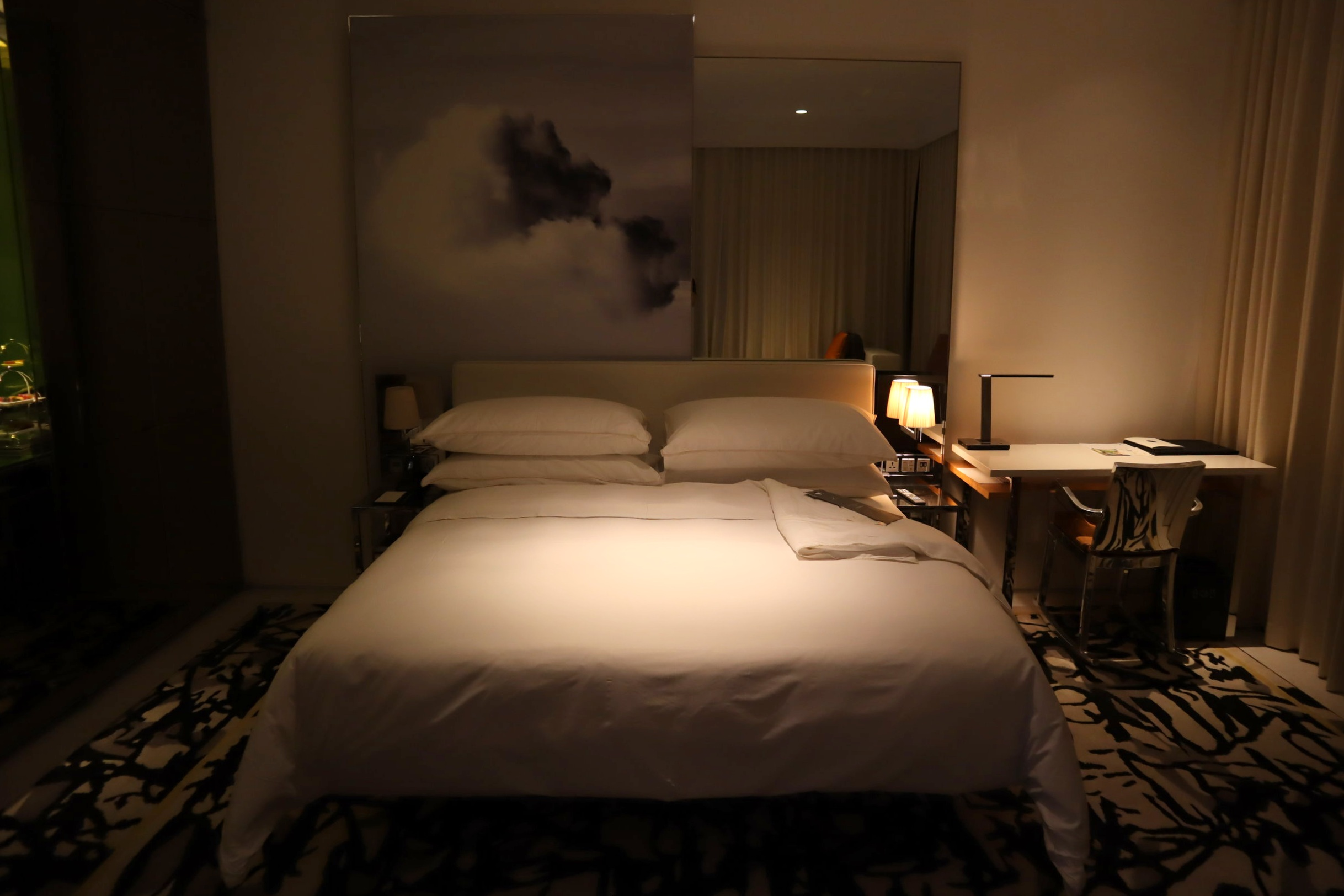 JW Marriott Singapore South Beach – King bed