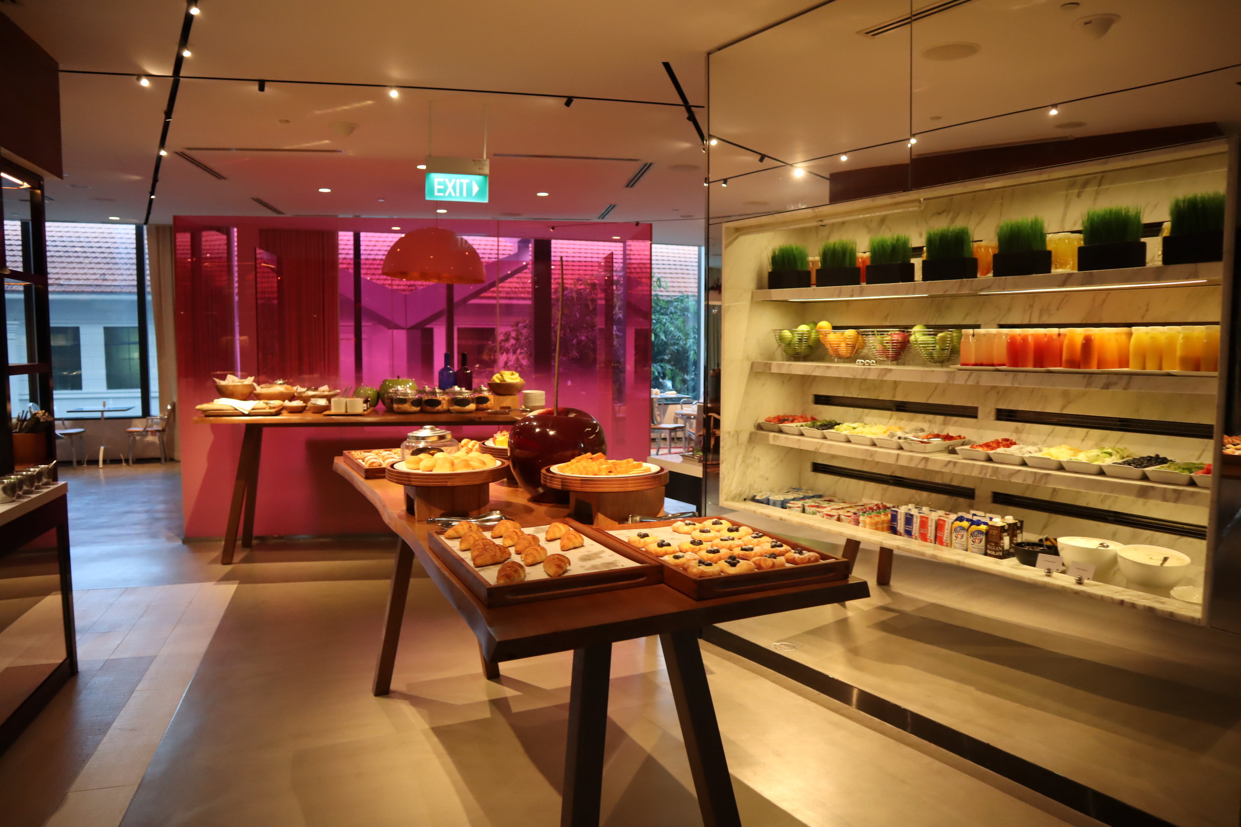 JW Marriott Singapore South Beach – Breakfast buffet