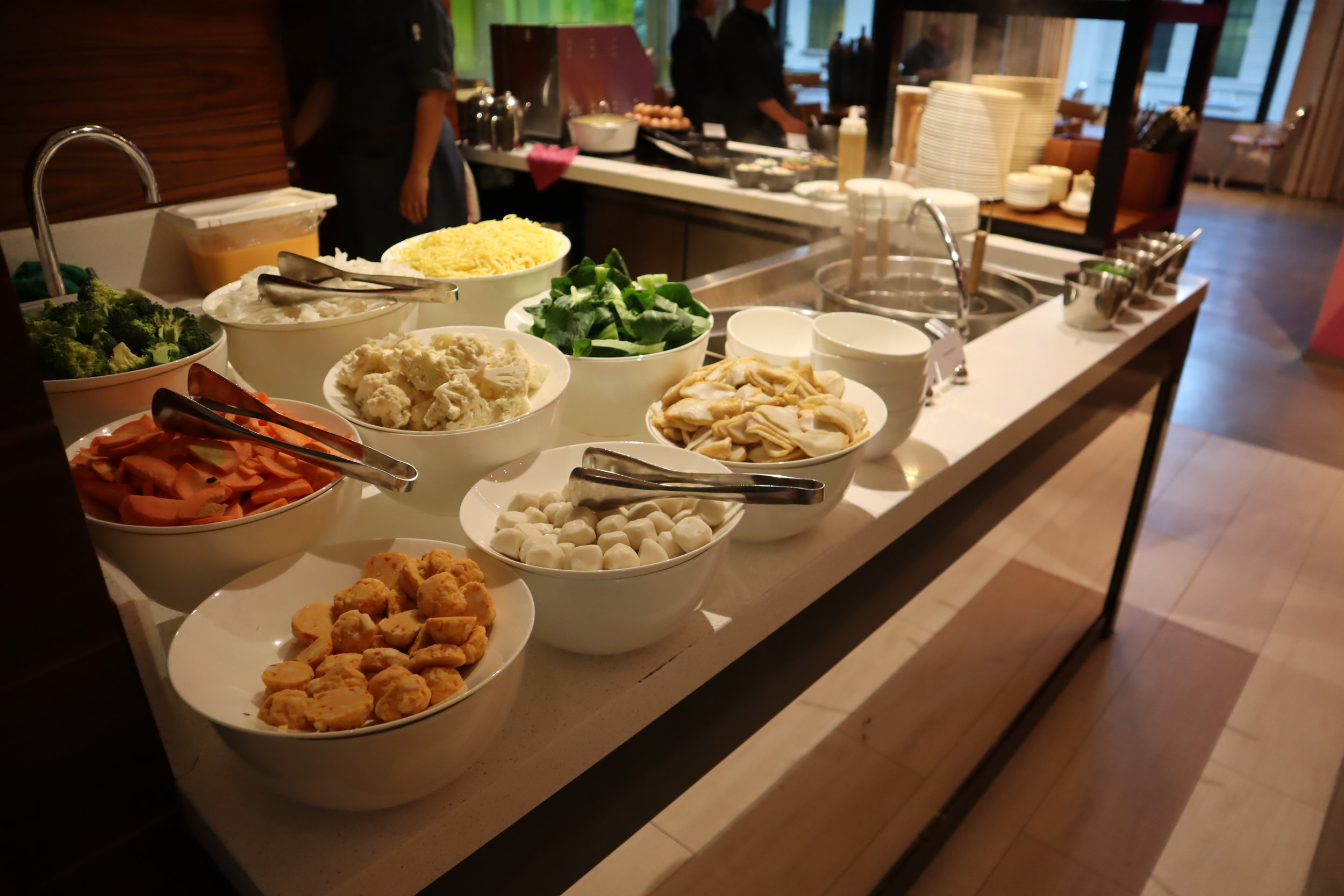 JW Marriott Singapore South Beach – Noodle station